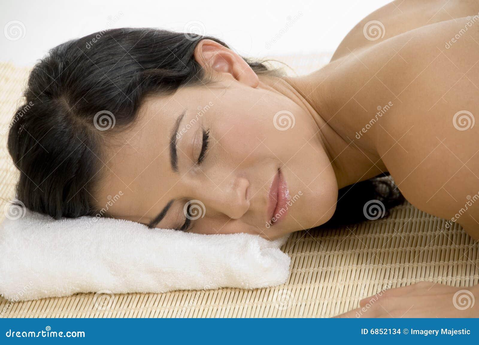 детеныши женщины спать циновки