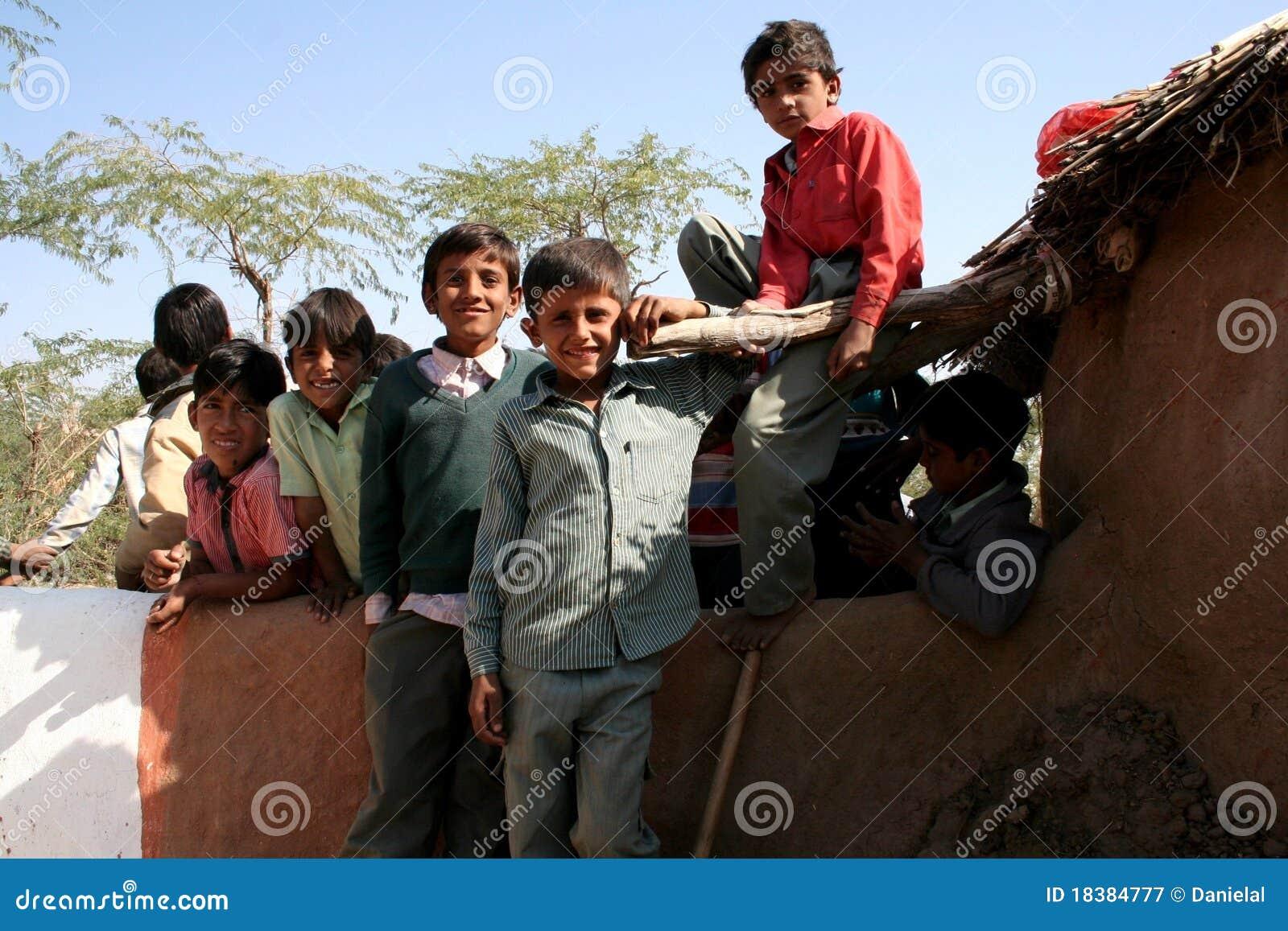 детеныши села мальчиков индийские