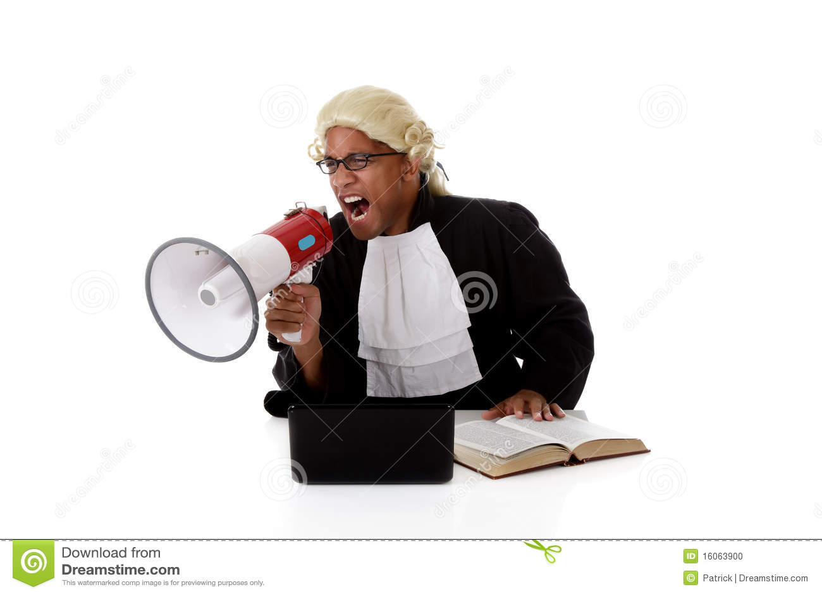 детеныши человека судьи афроамериканца screaming
