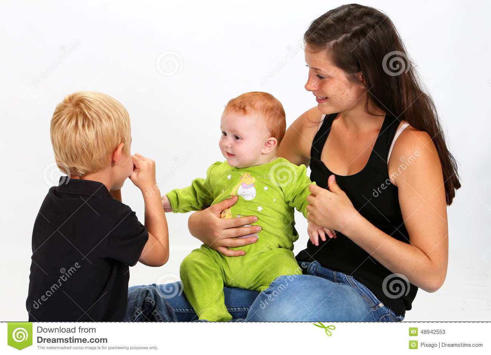 Дети и няня