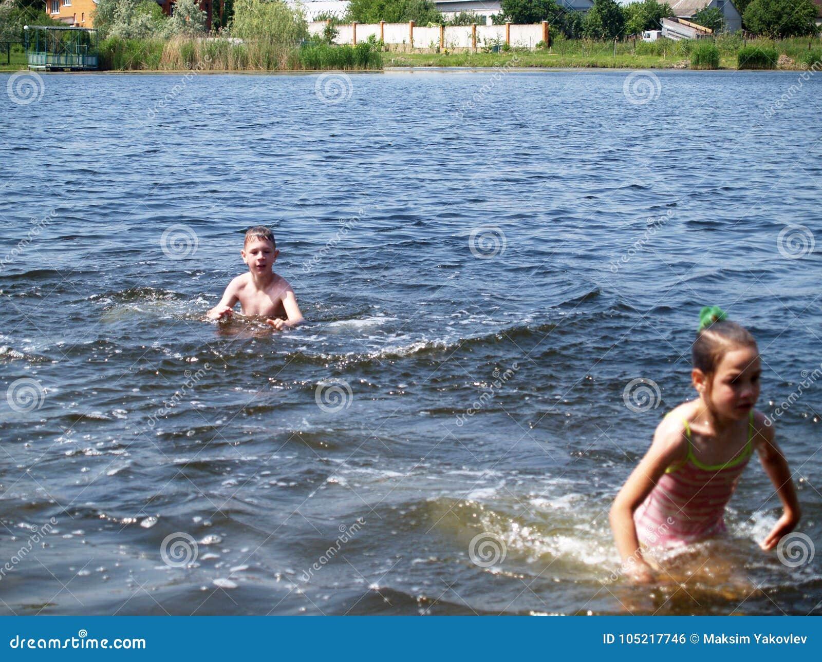 Рассказ секс в реке, Порно рассказы: Лето у реки - Первый секс 21 фотография