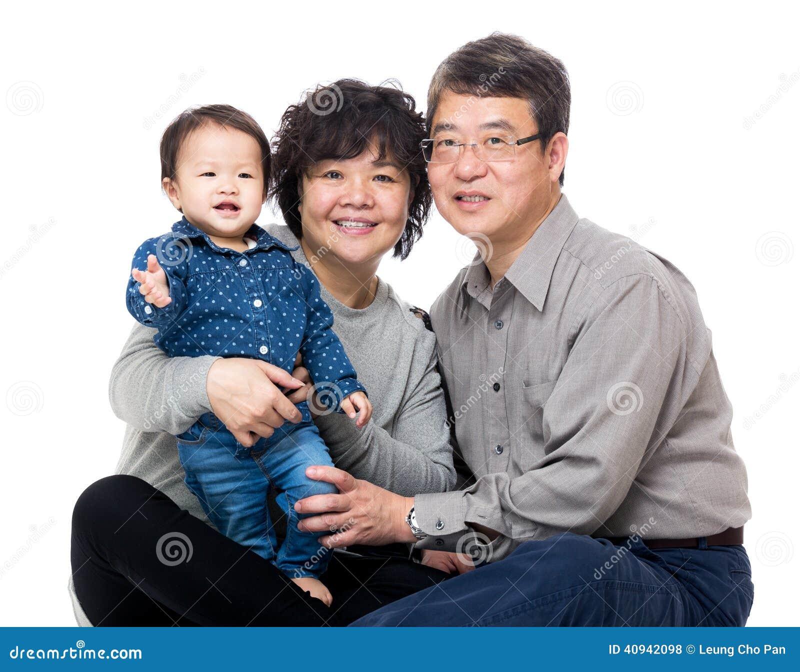 Дед Азии с их внучкой