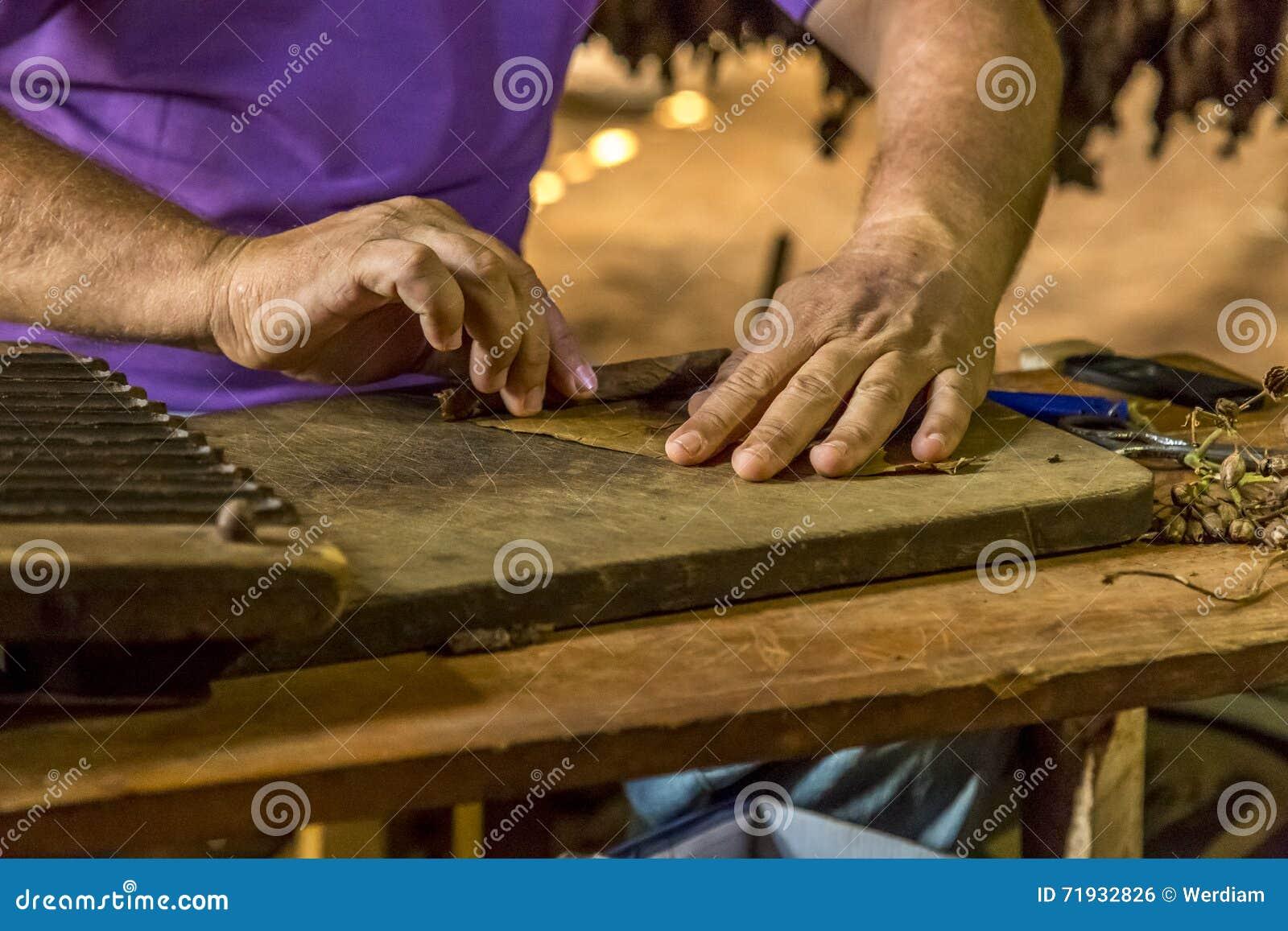 Делать сигары в Vinales, Куба #16/21