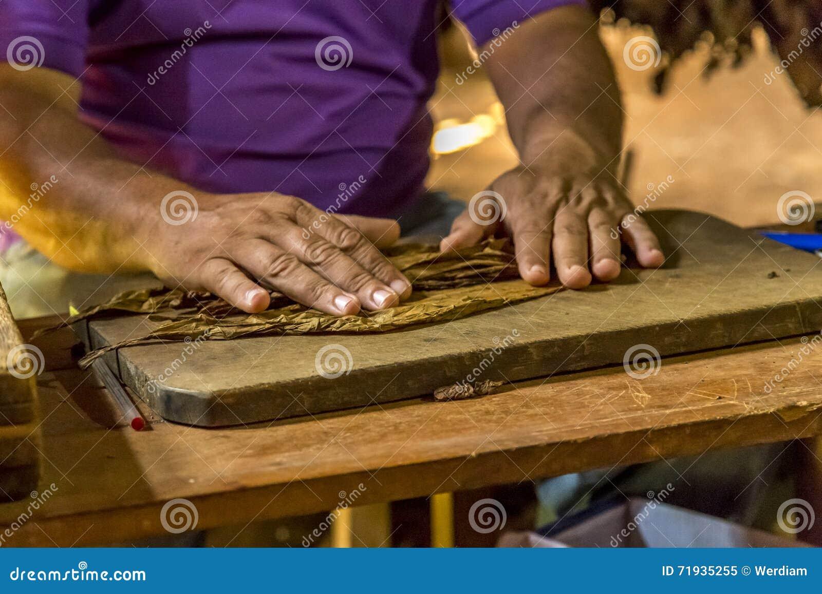 Делать сигары в Vinales, Куба #5/21