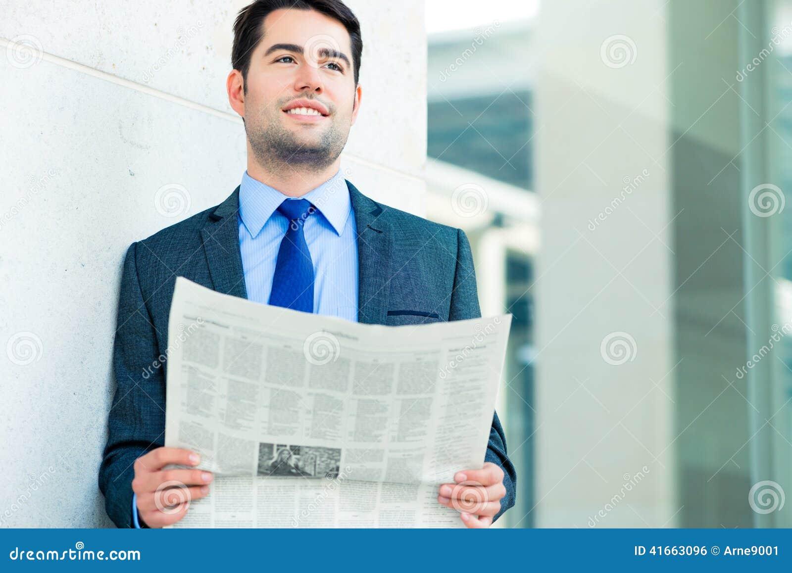 Деловая газета чтения бизнесмена