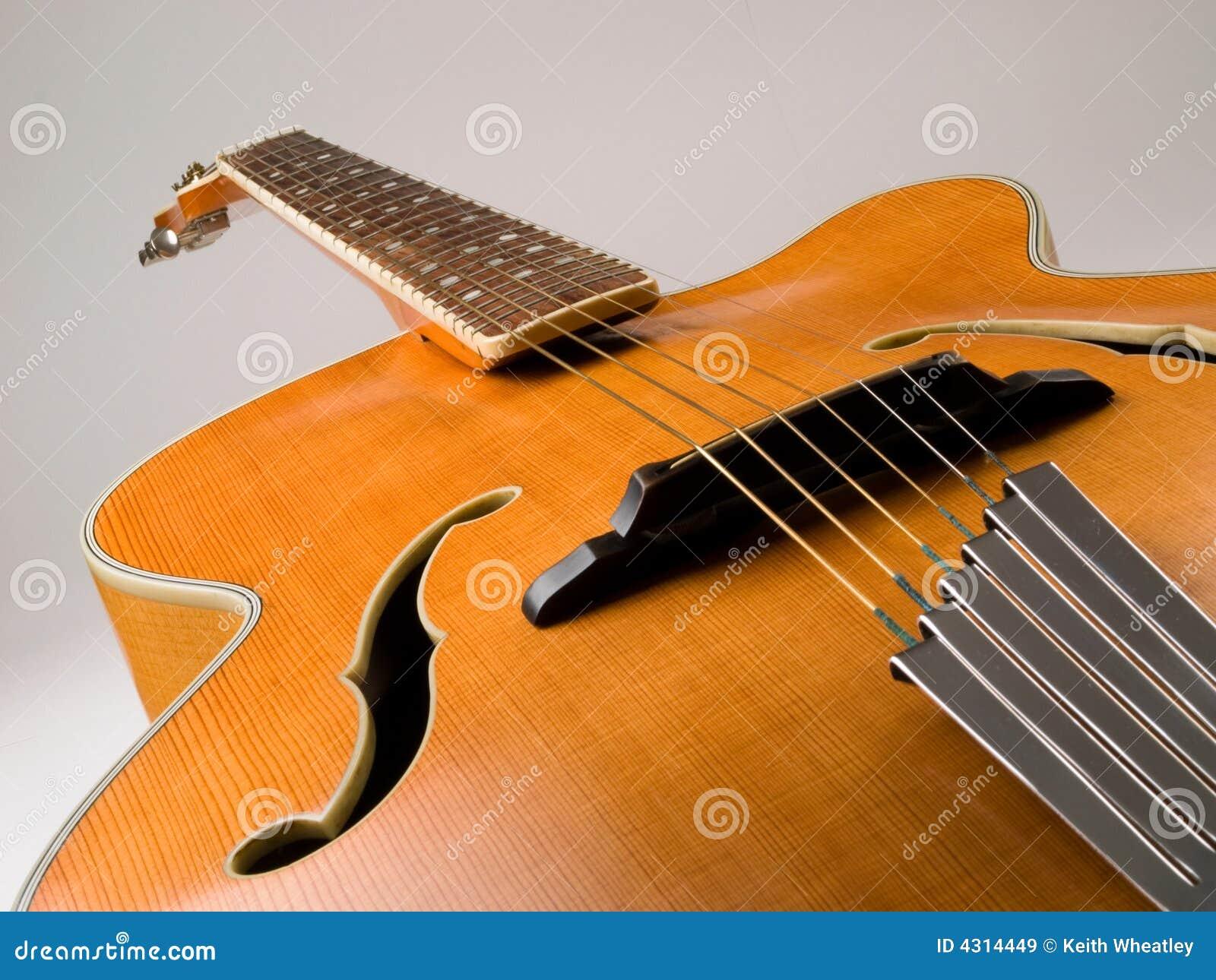 джаз гитары archtop старый