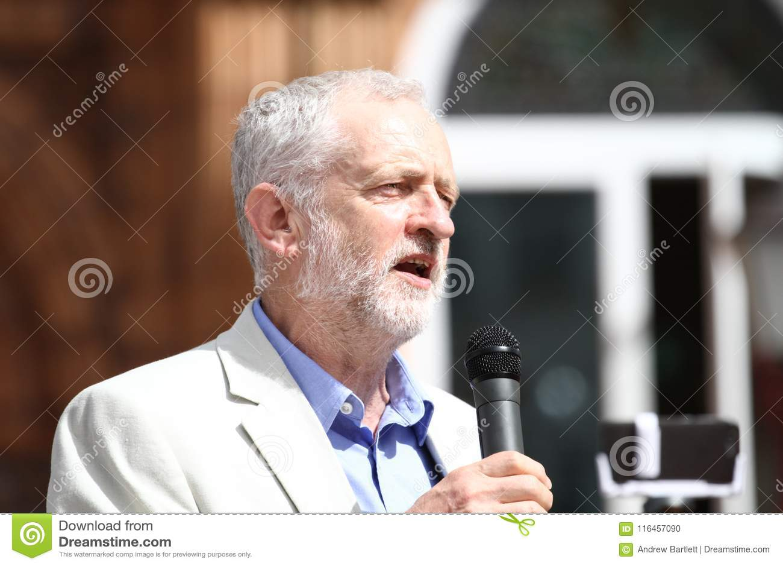 Джереми Corbyn посещает Redhouse, Merthyr Tydfil, южный уэльс, Великобританию