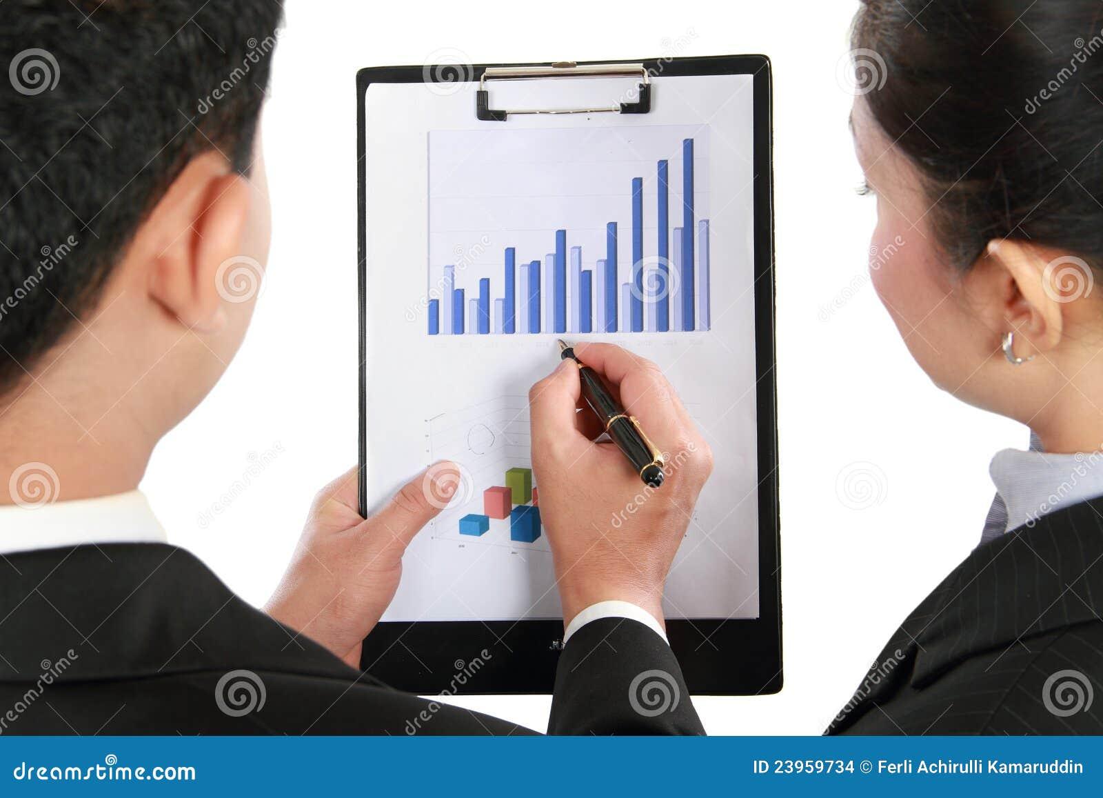 диаграмма в виде вертикальных полос обсуждая делающ представление человека
