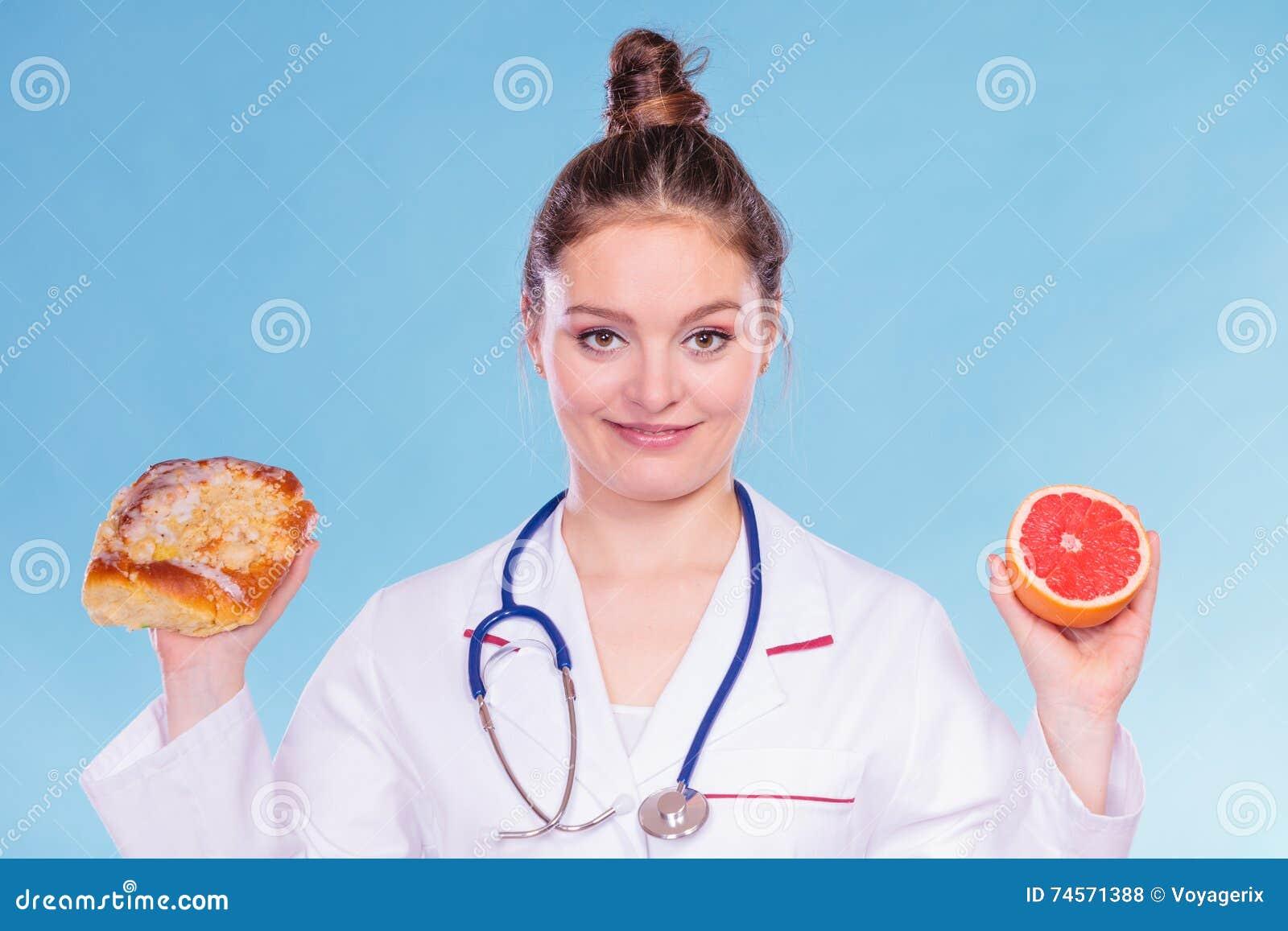 Диетврач с плюшкой и грейпфрутом сладостного крена