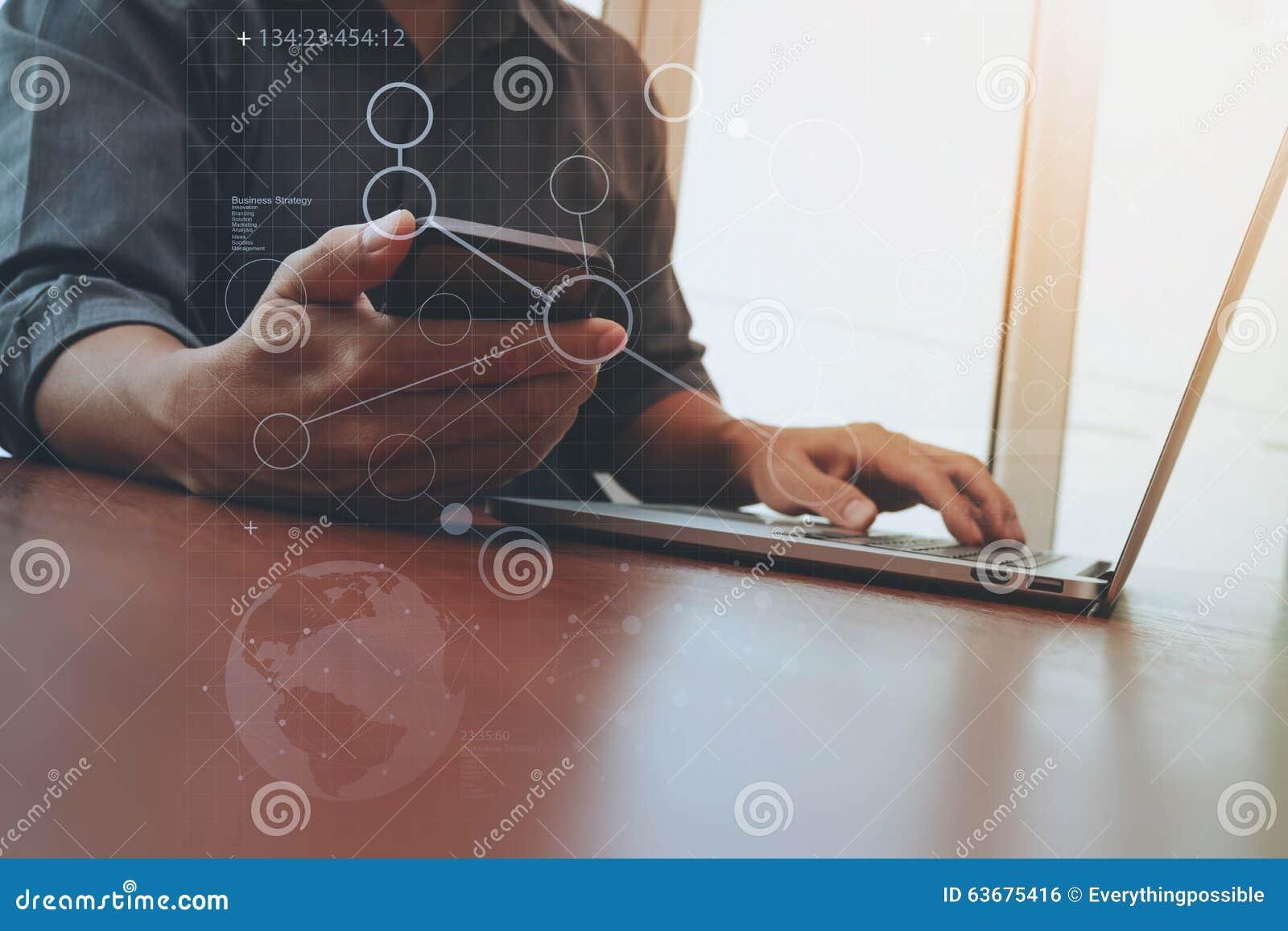 Дизайнерская деятельность руки и умные телефон и компьтер-книжка