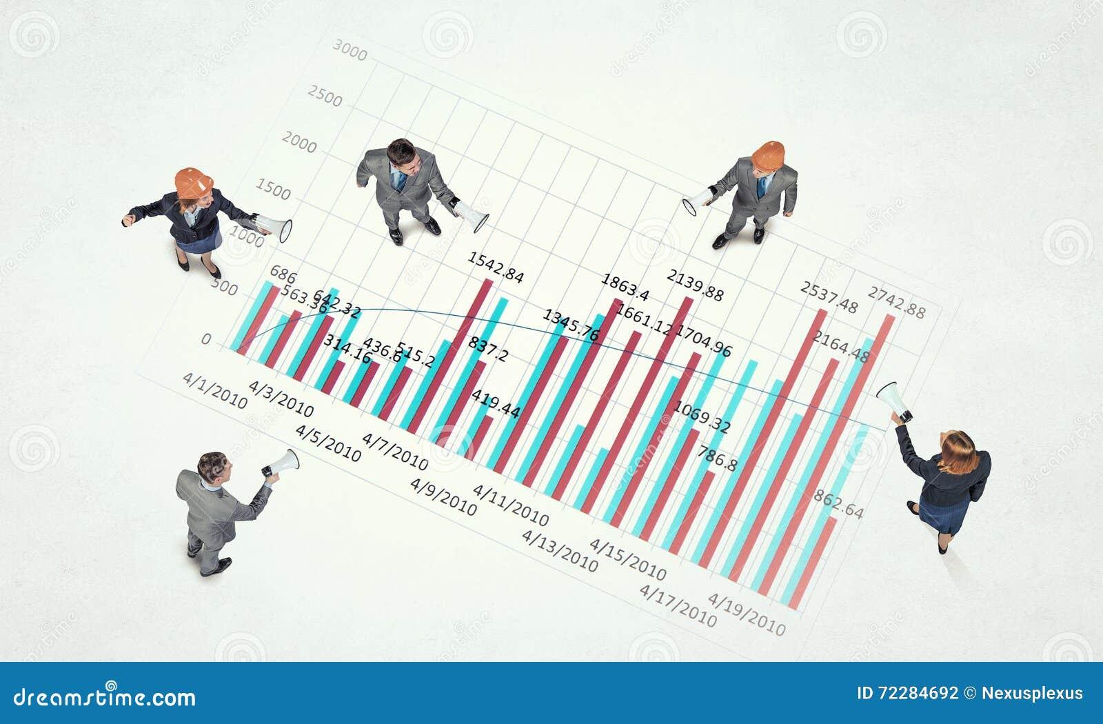 Download Динамика роста в деле стоковое фото. изображение насчитывающей бизнесмен - 72284692