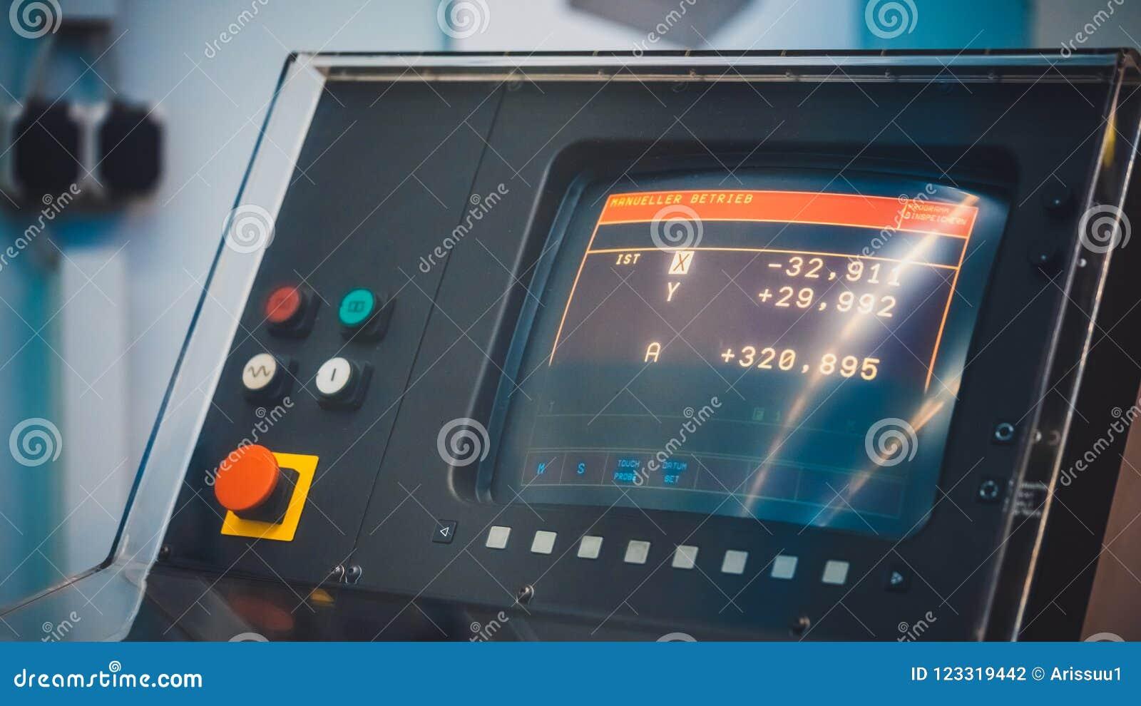 Дисплей контроля численным управлением компьютера