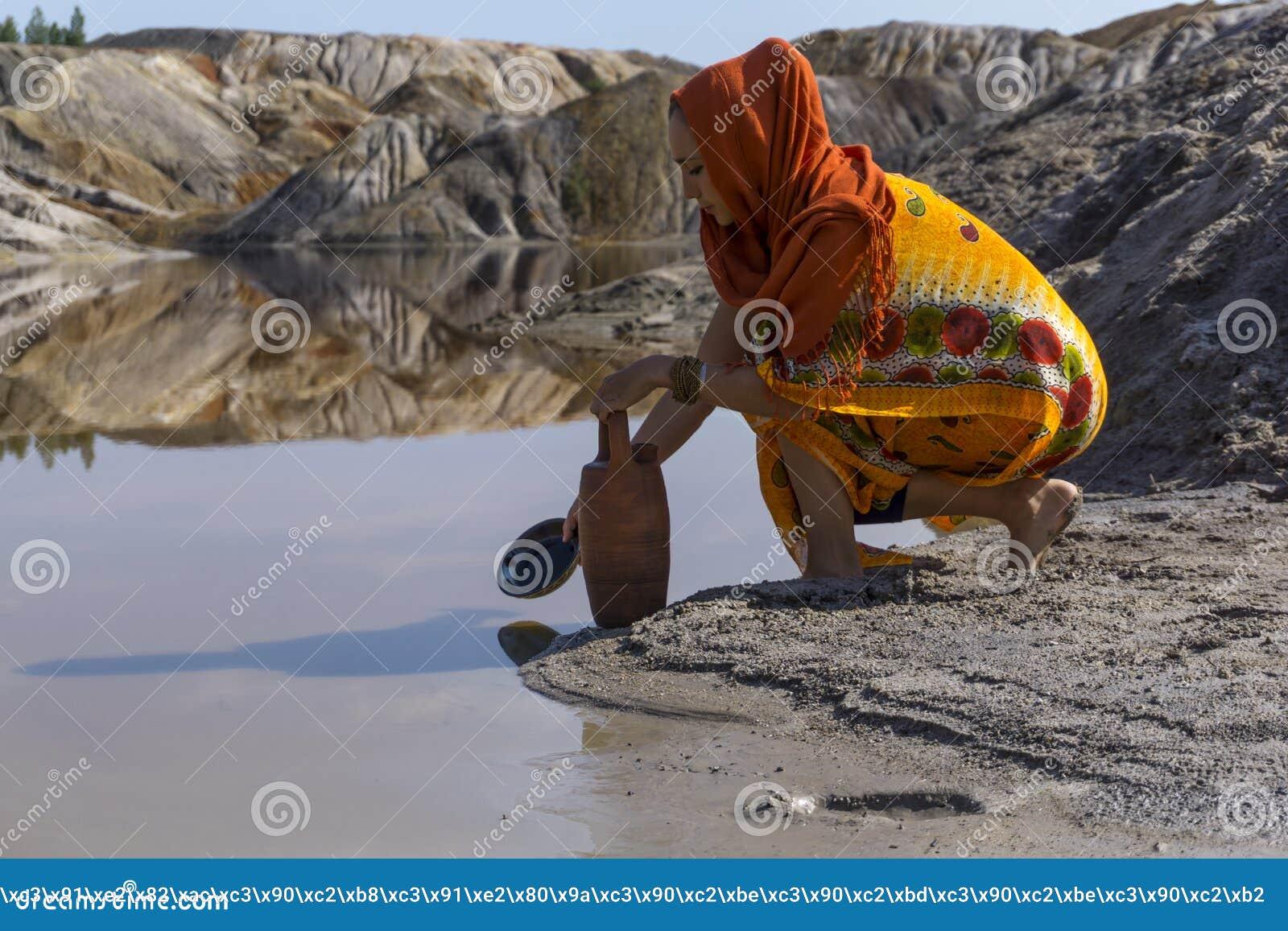 Для воды к озеру