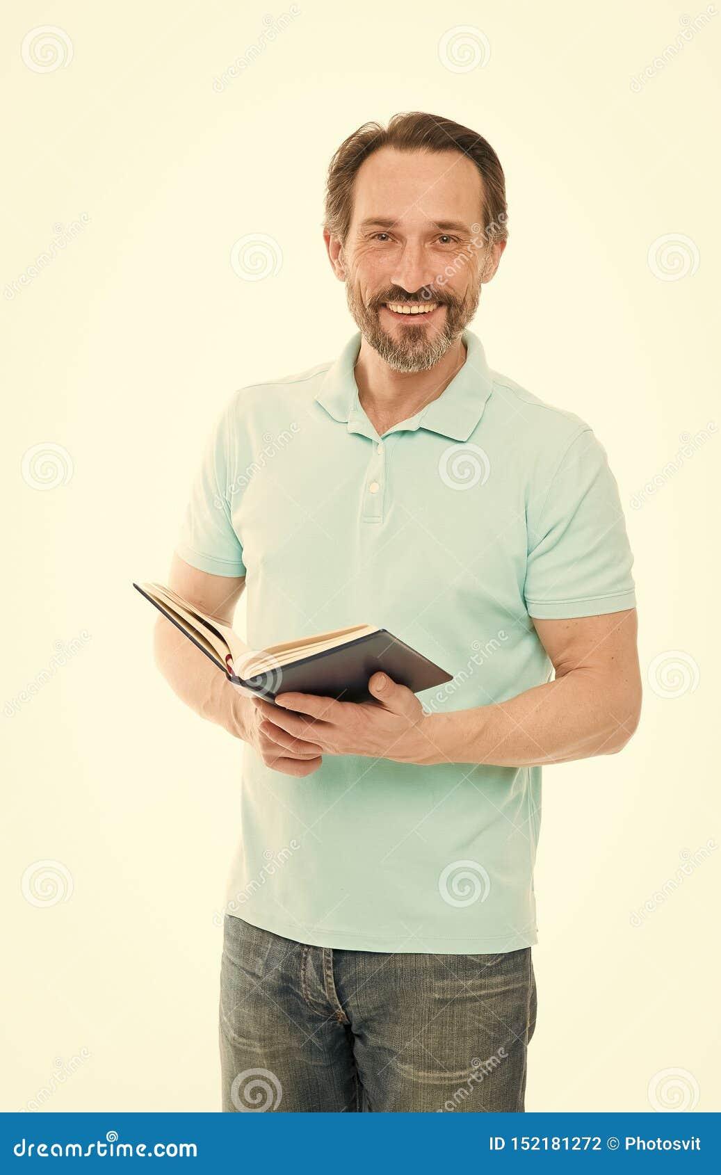 Доверие и разум Отсутствие слишком последнее исследование Предпосылка владением человека зрелой бородатой изолированная книгой бе