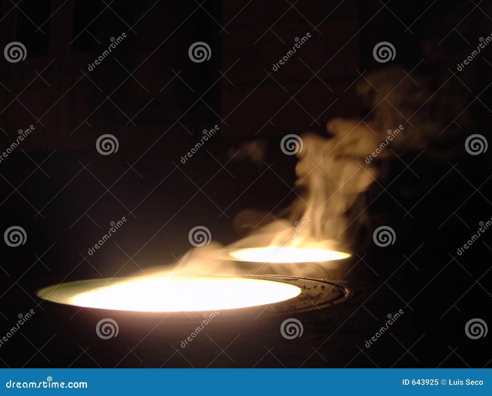 Download дождь светильника пола испаряясь вниз Стоковое Изображение - изображение насчитывающей cristal, газы: 643925