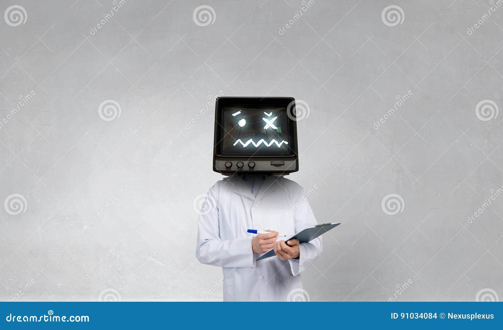 Доктор с ТВ вместо головы Мультимедиа Мультимедиа