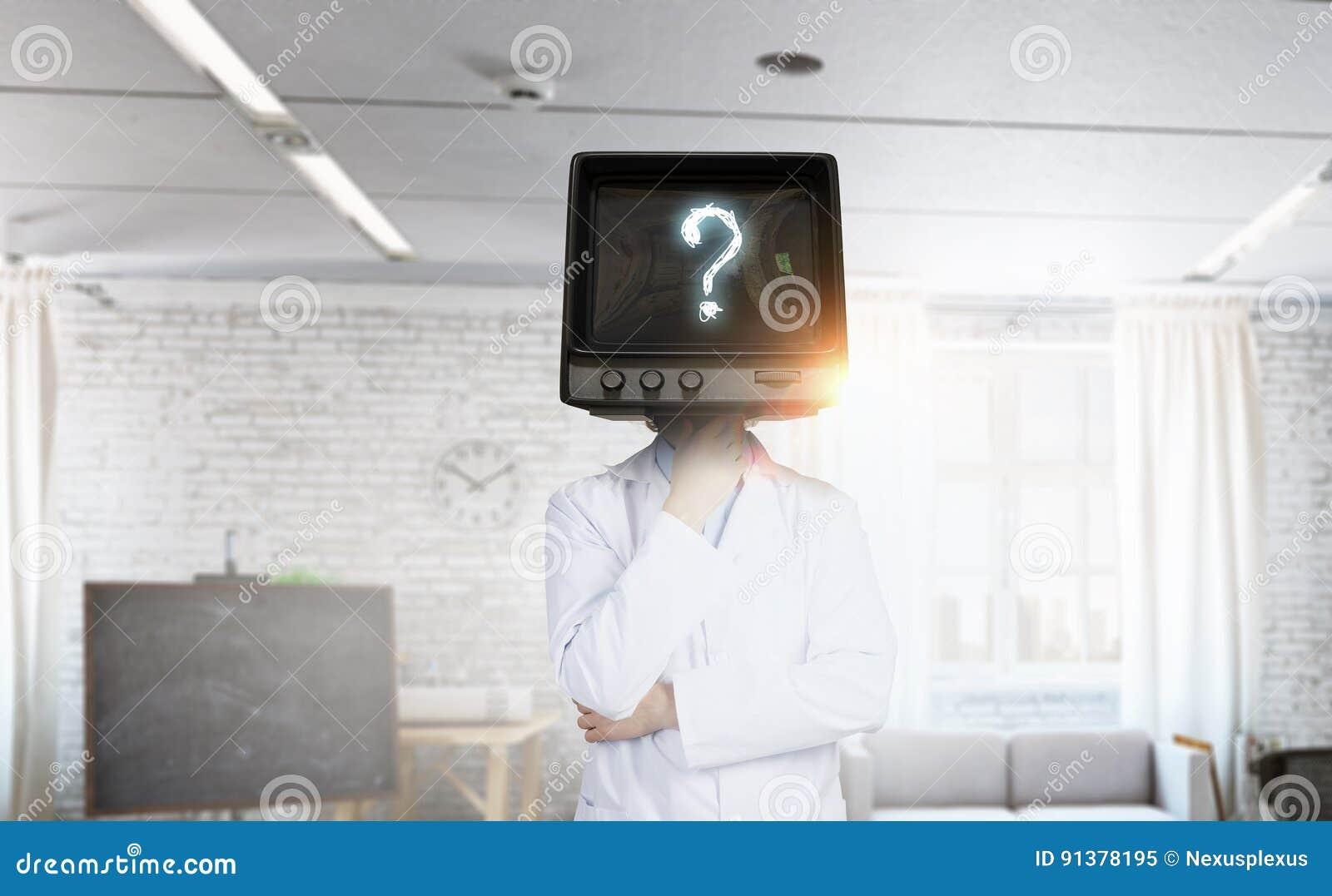 Доктор с ТВ вместо головы Мультимедиа