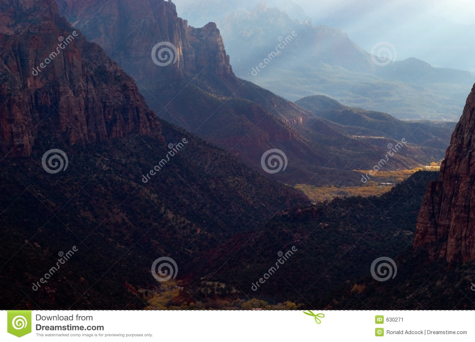 Download долина рая s стоковое изображение. изображение насчитывающей цвет - 630271