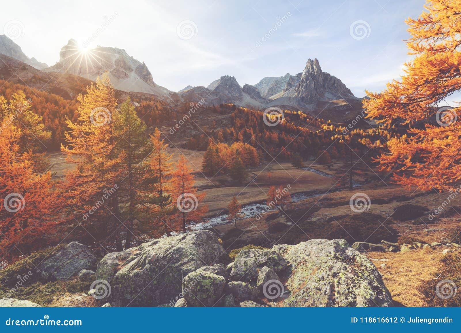 Долина Clarée во время осени в Франции