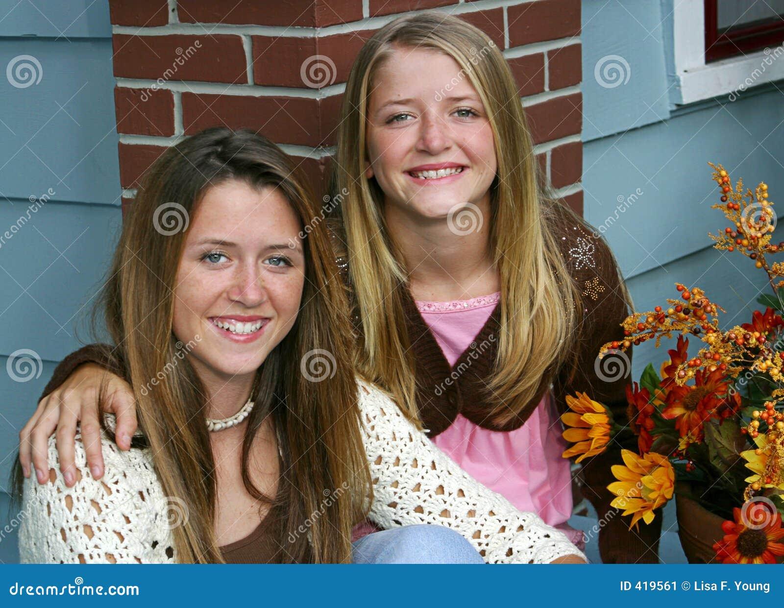 домашние фото сестёр