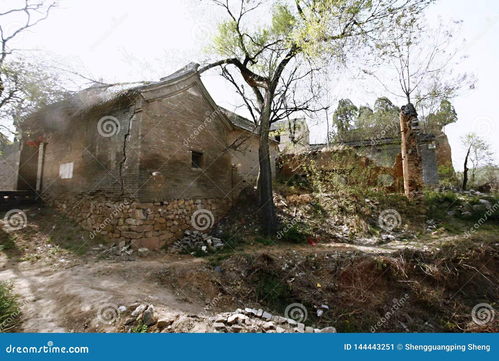 Дома в старой деревне