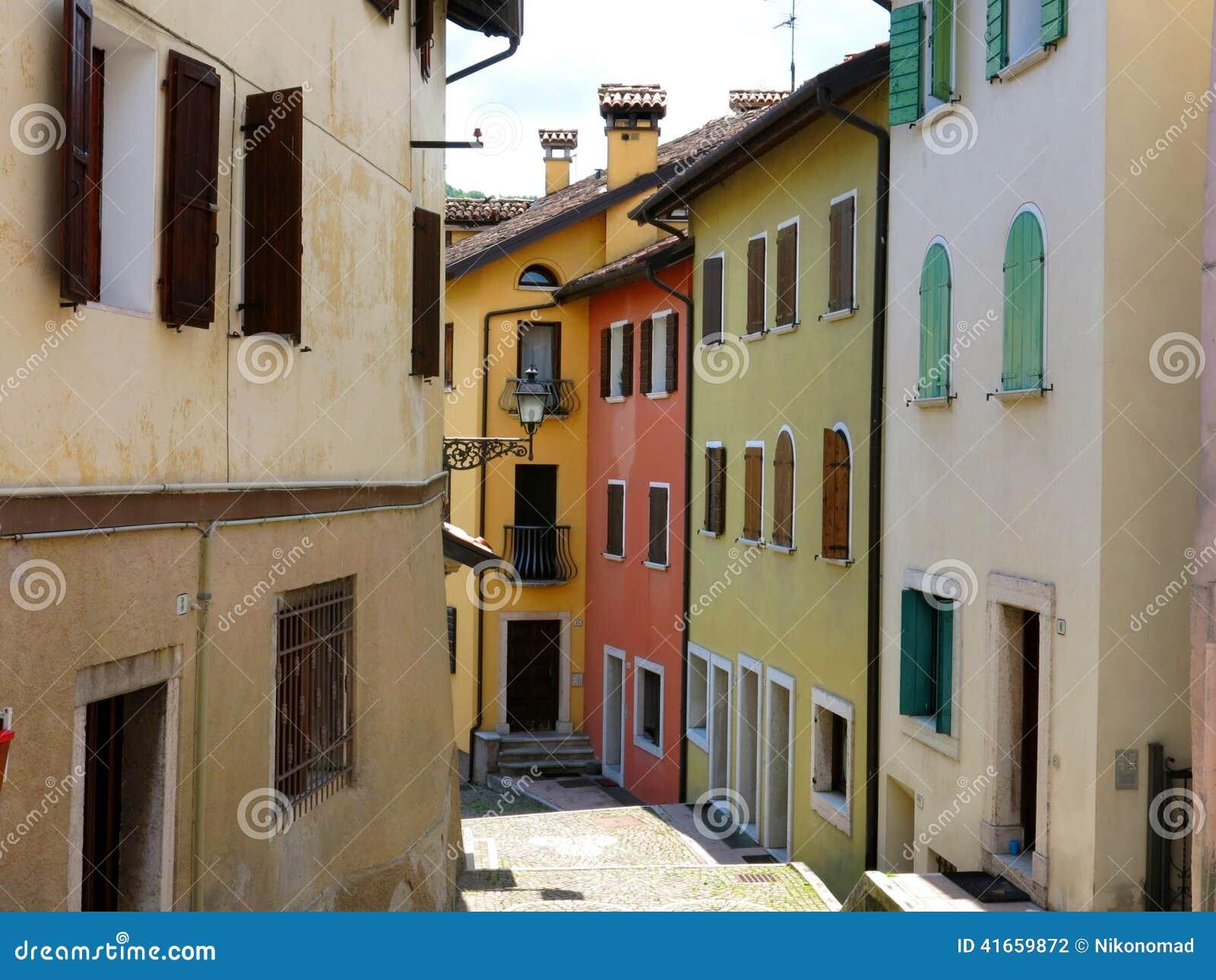 Дома улицы Беллуно исторические