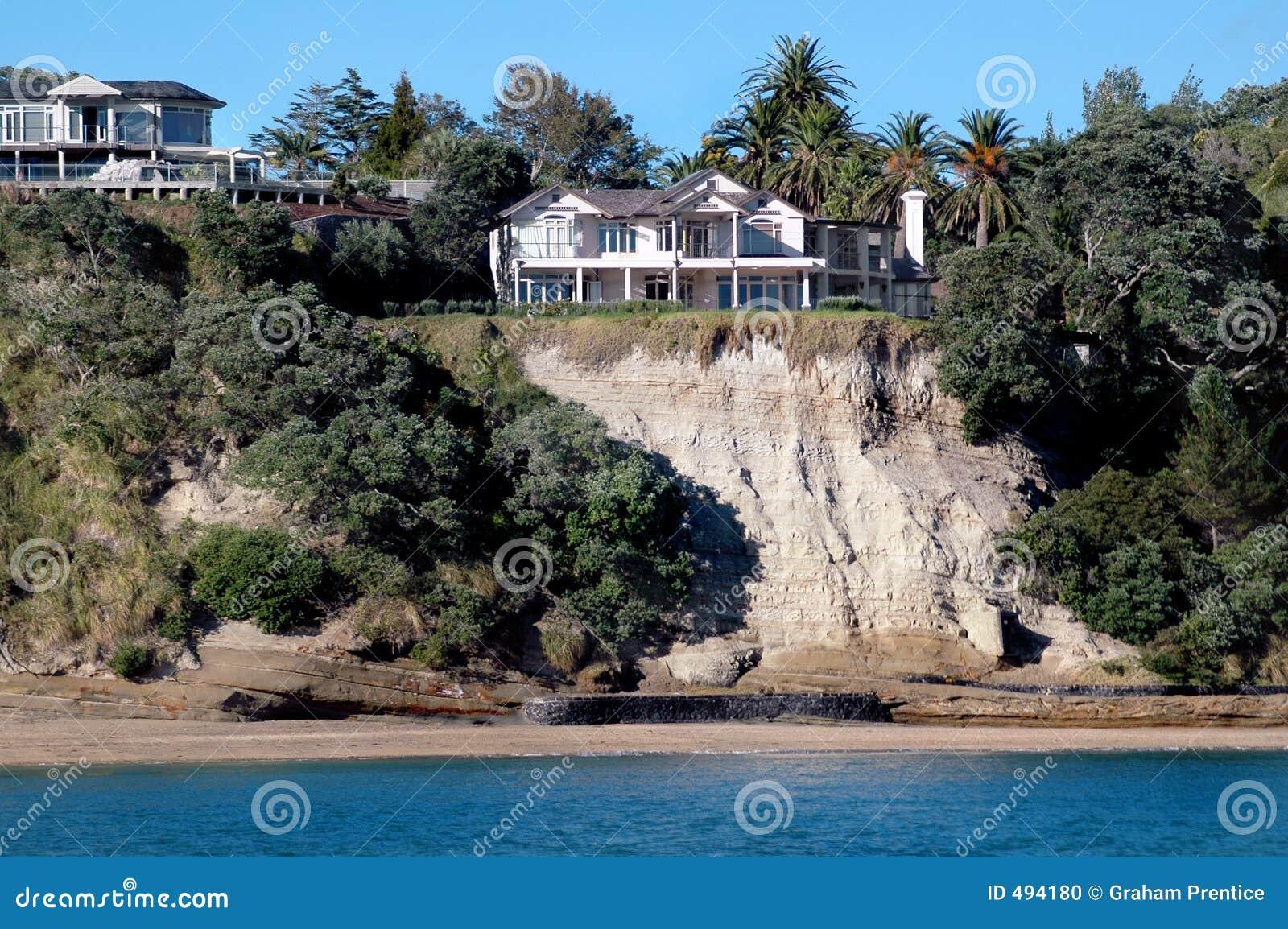 дома clifftop