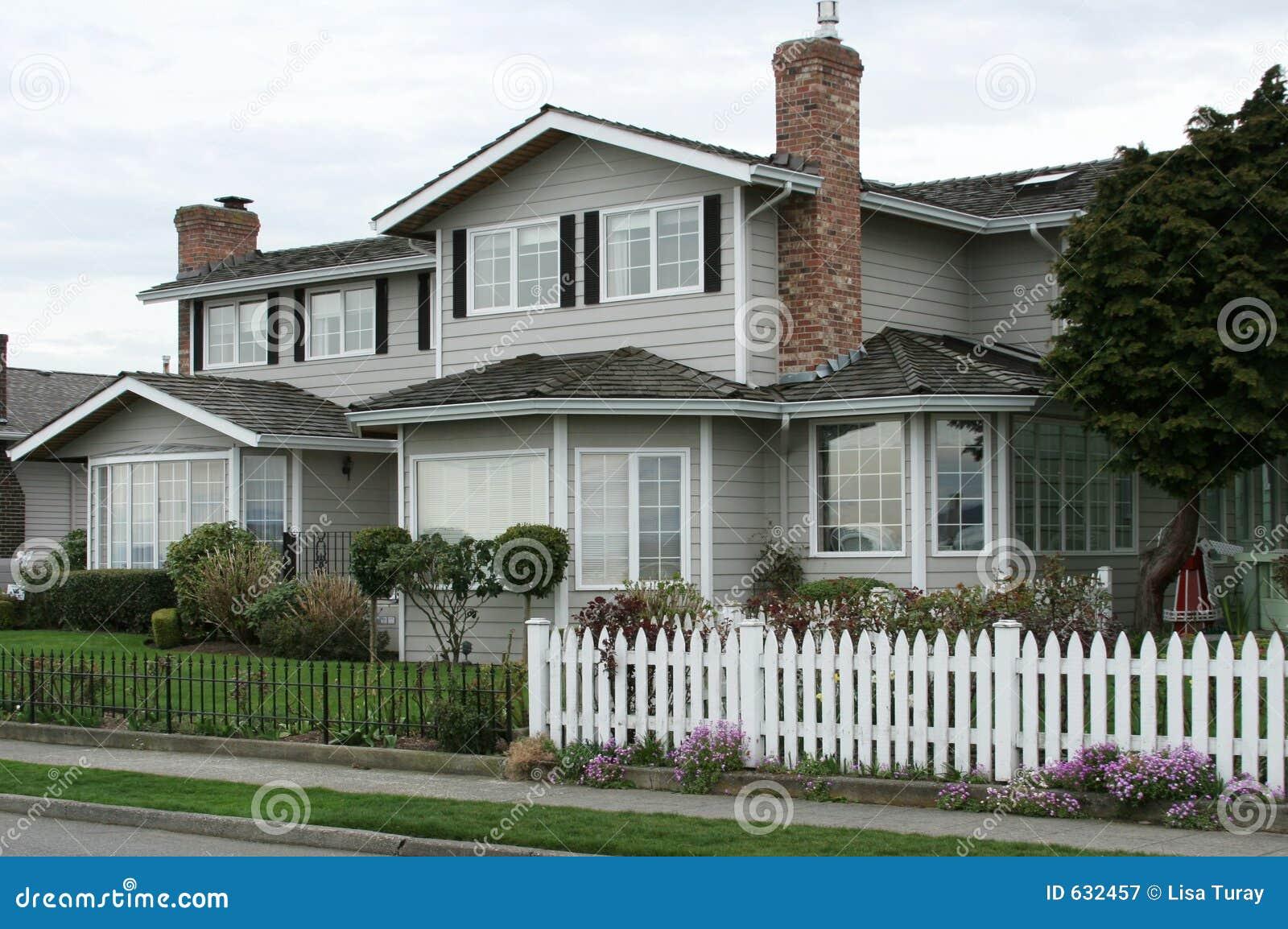 Download дом блока новая стоковое изображение. изображение насчитывающей жилище - 632457