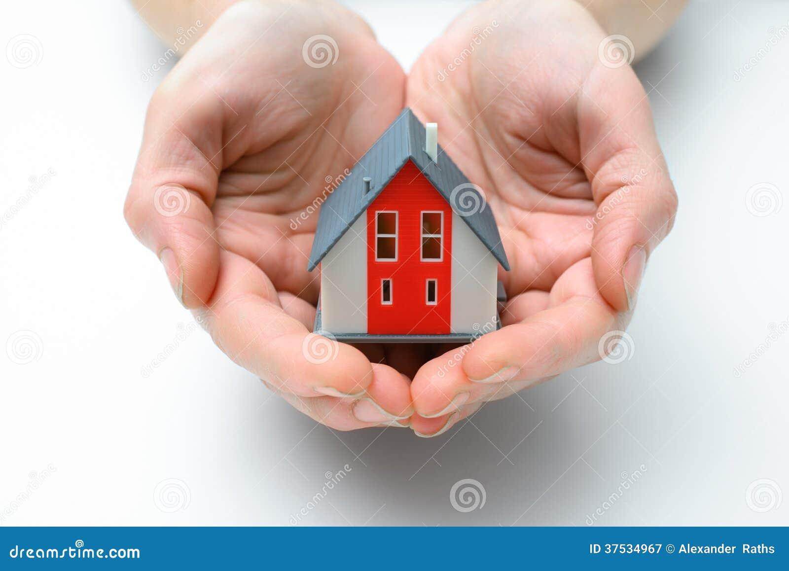 Дом в человеческих руках