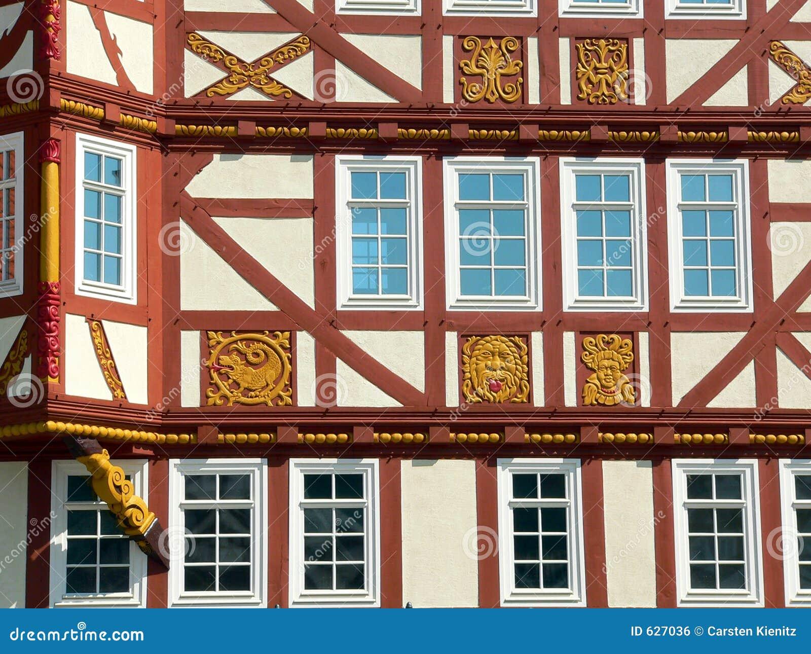 Download дом детали половинная Timbered Стоковое Фото - изображение насчитывающей adorne, земля: 627036
