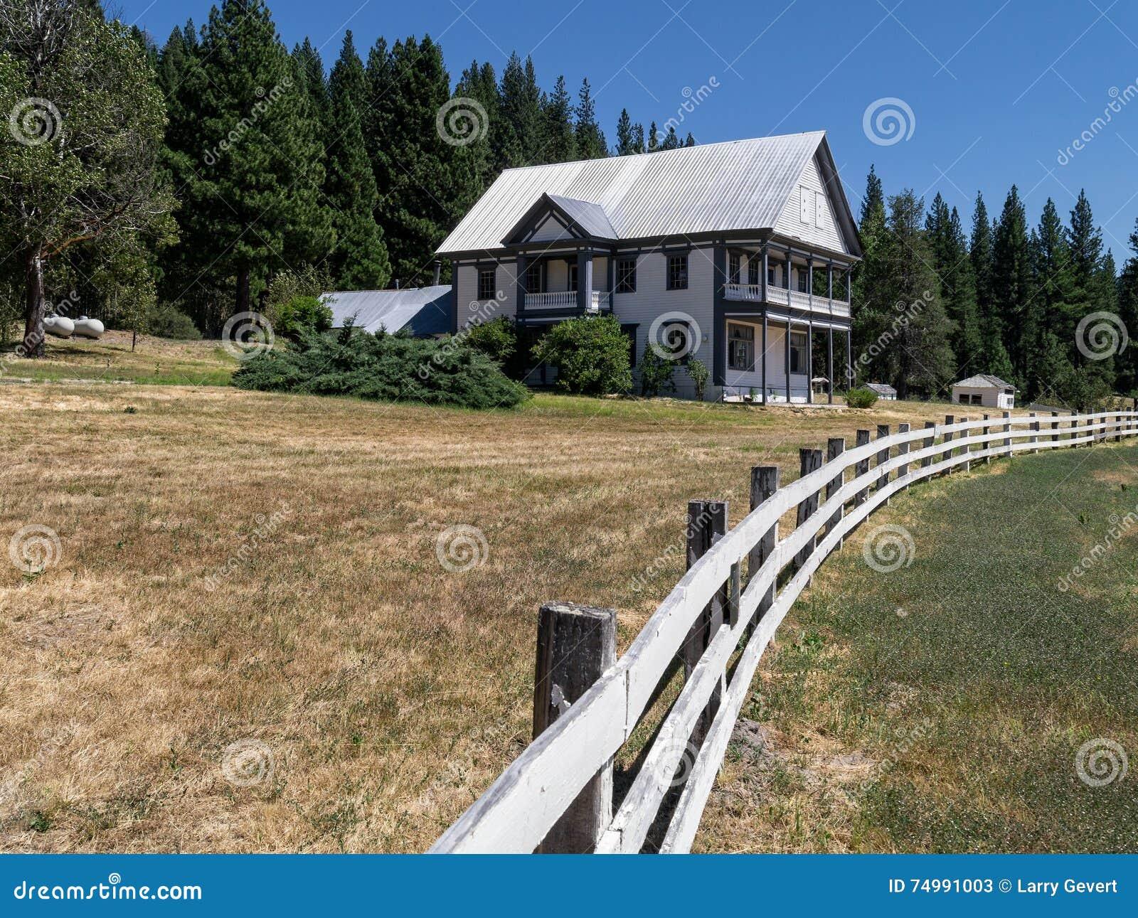 Дом ранчо сьерра-невады