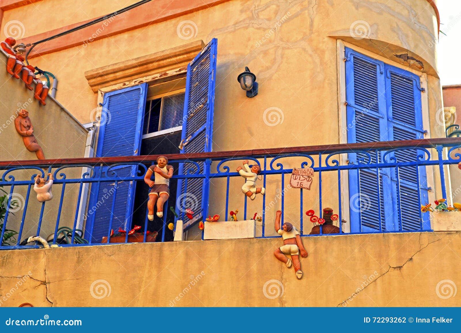 Download Дом Eautiful с смешными диаграммами Beit Tamar, Тель-Авив, Израилем Редакционное Фотография - изображение насчитывающей старо, город: 72293262