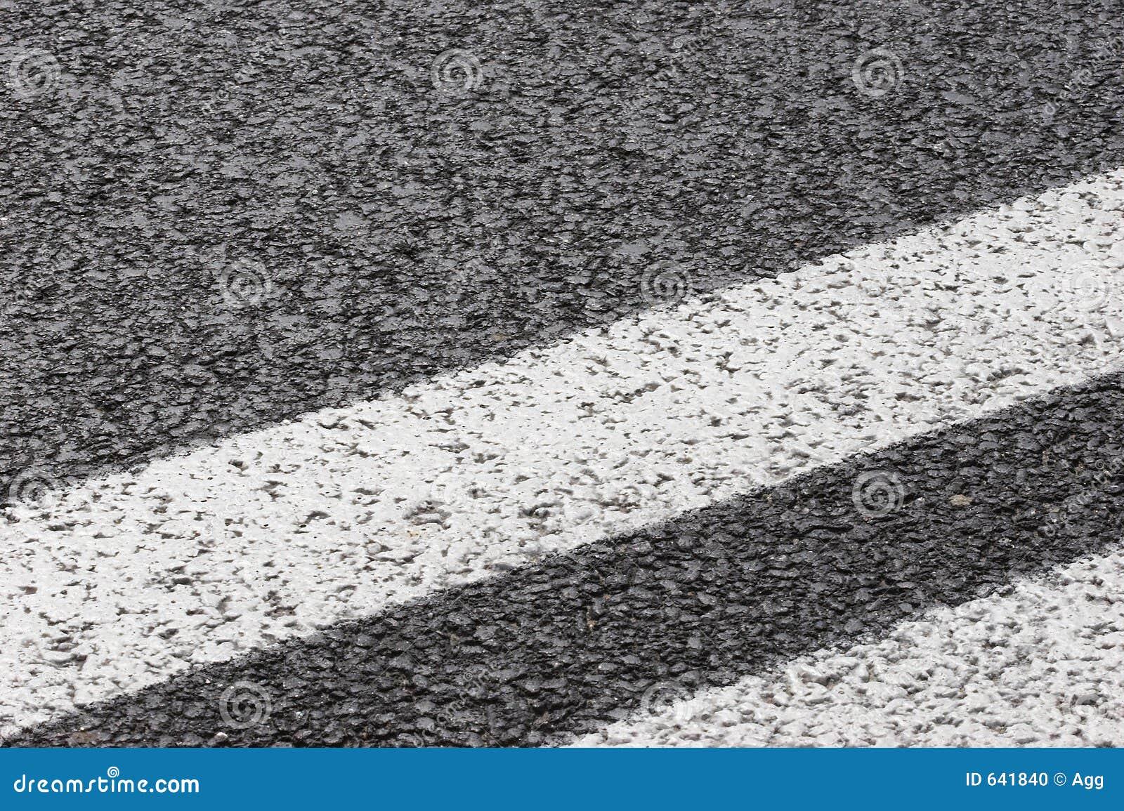 Download дорога асфальта стоковое фото. изображение насчитывающей путь - 641840
