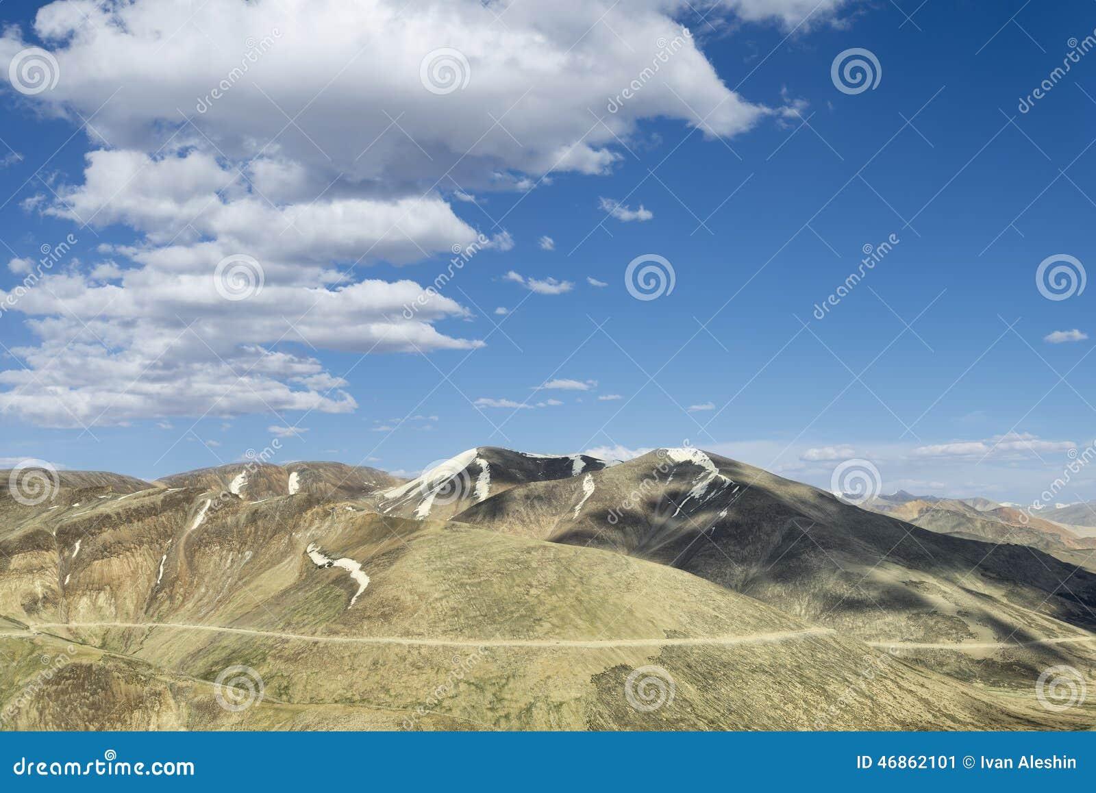 Дорога горы пейзажа