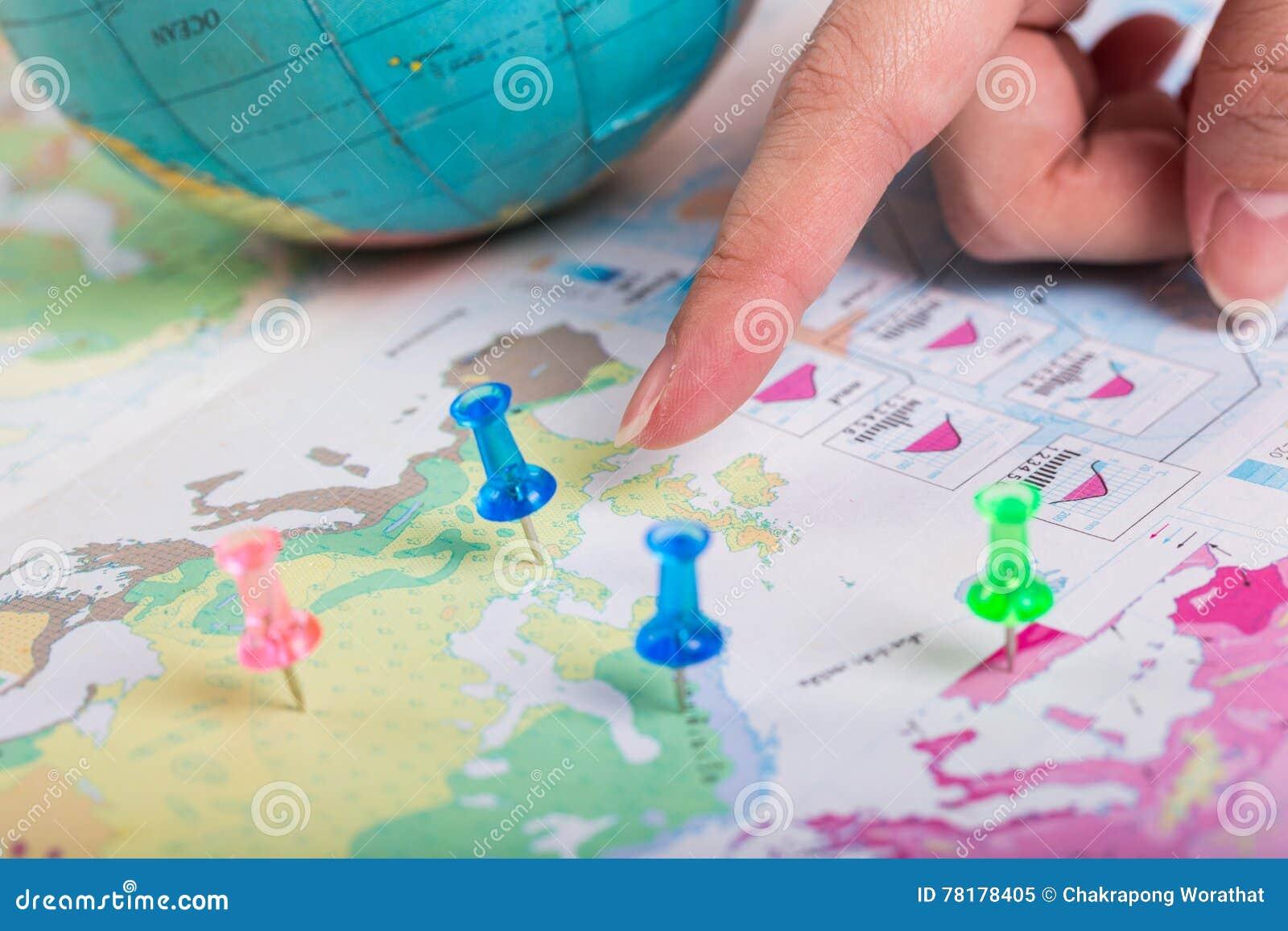 Дорожная карта, голубой pushpin положение назначения на карте