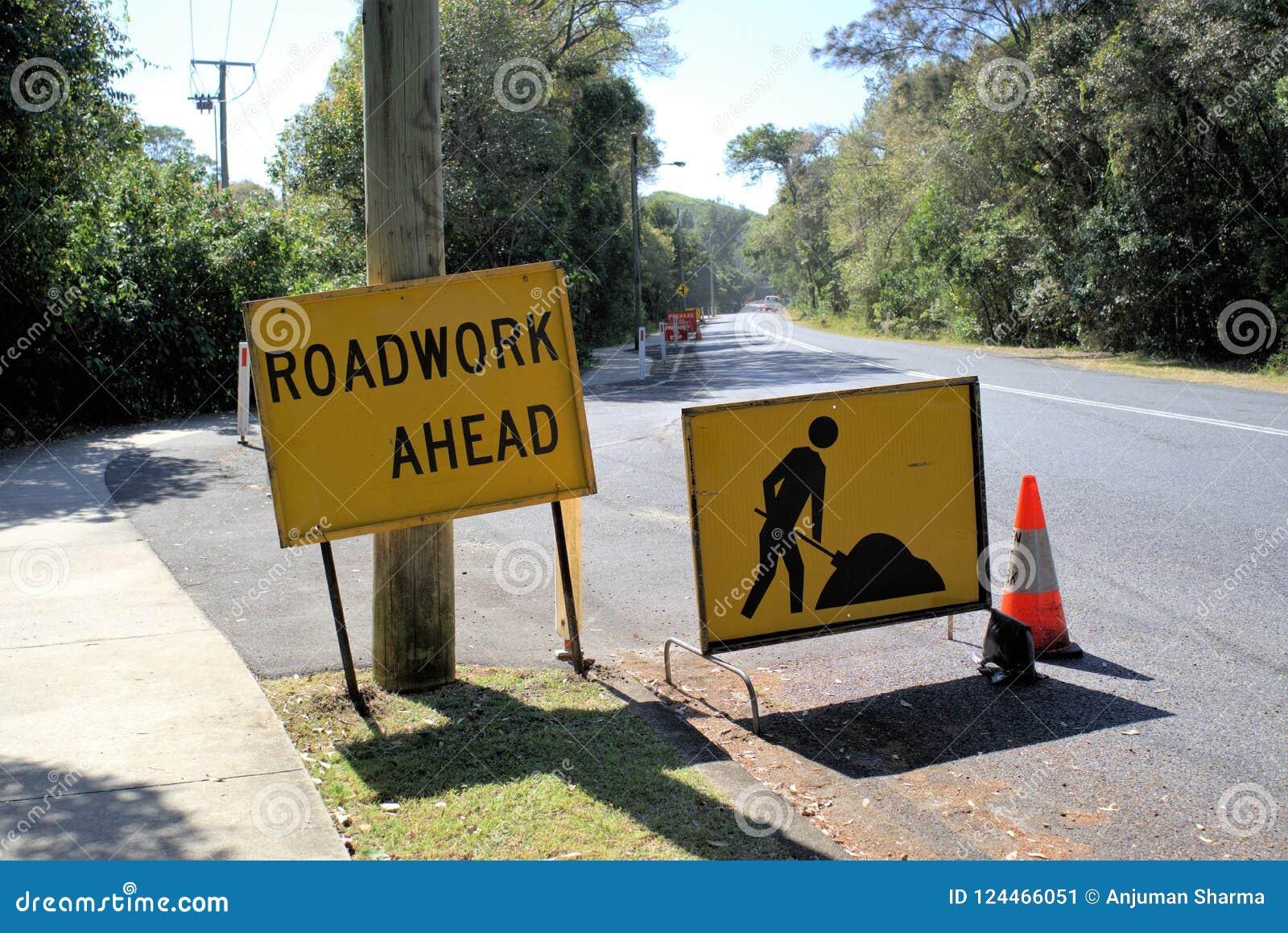 Доска знака дорожной работы вперед в Австралии
