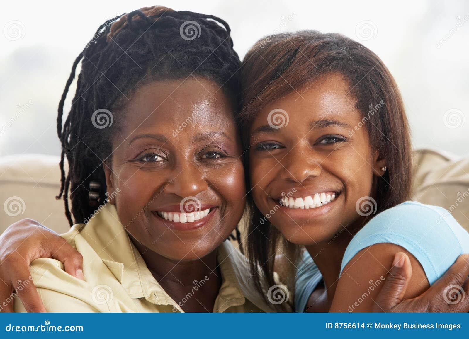 дочь ее подростковая женщина
