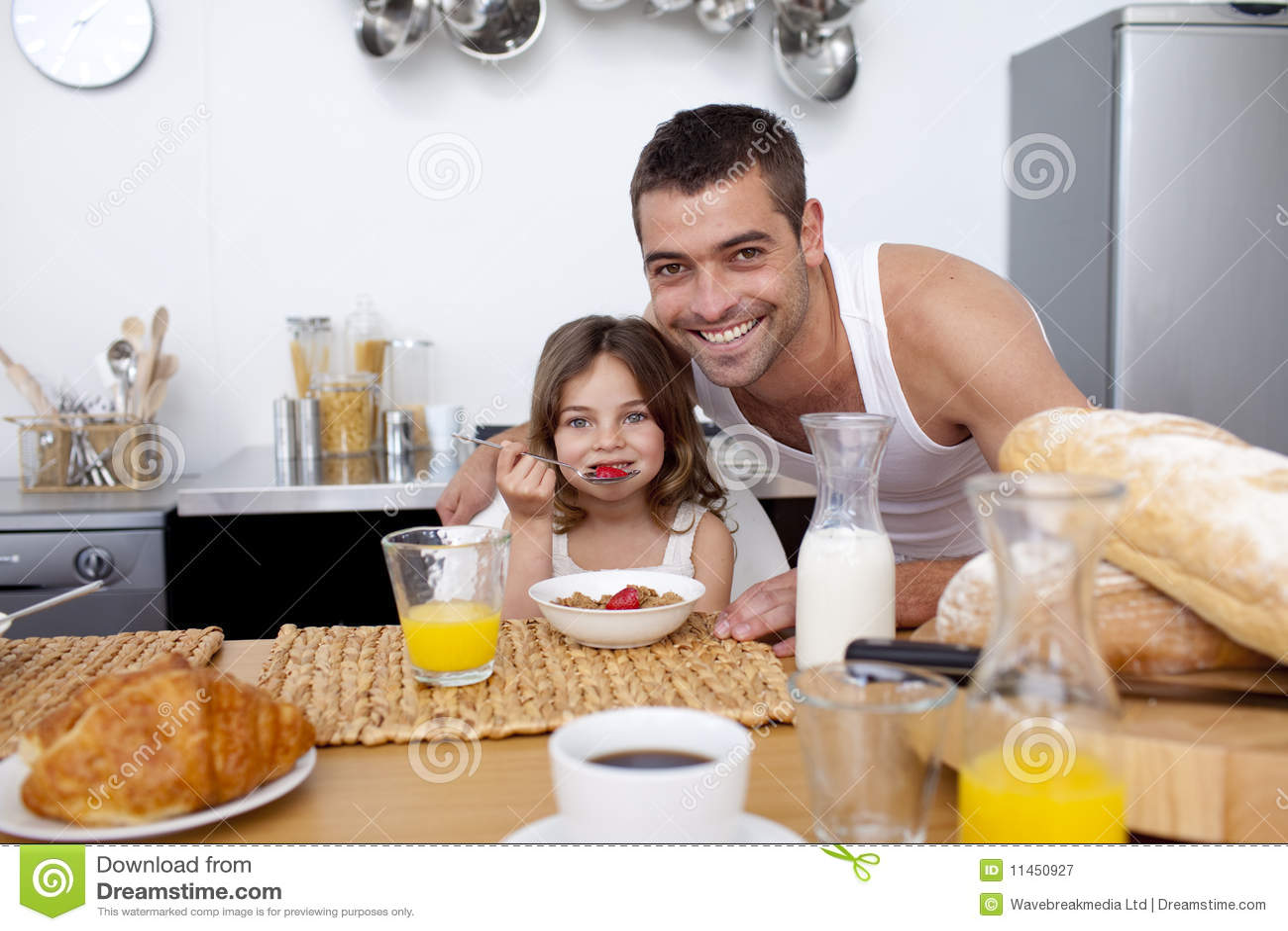 Трахнул сестру в кухне ей понравилось, Трахнул сестру на кухне -видео. Смотреть трахнул 20 фотография