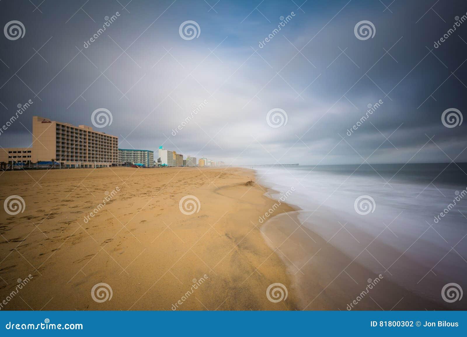Долгая выдержка Атлантического океана в Virginia Beach, Вирджинии