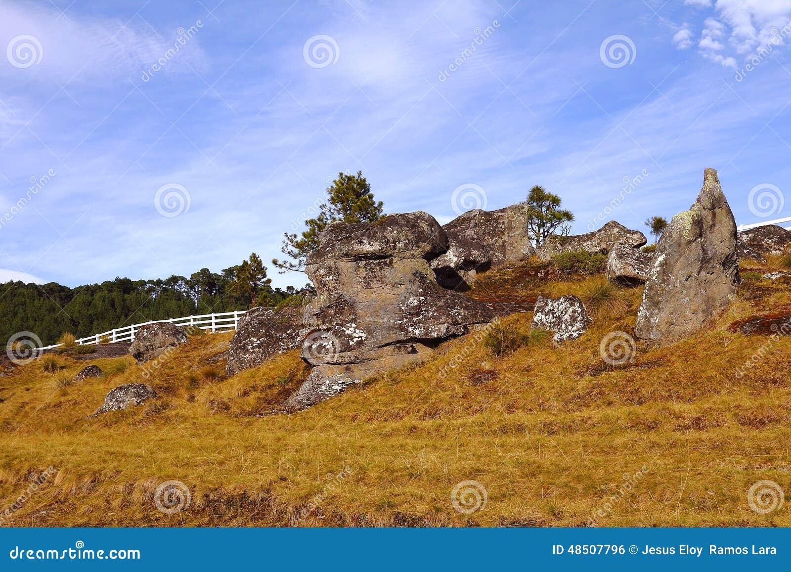 Долина XXXI encimadas Piedras