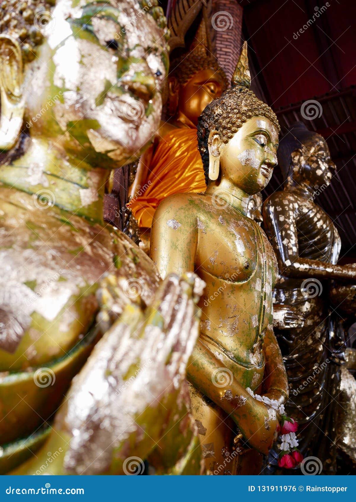Душевное спокойствие с Buddhas, Wat Yai Chai Mongkhon Ayutthaya, Таиландом