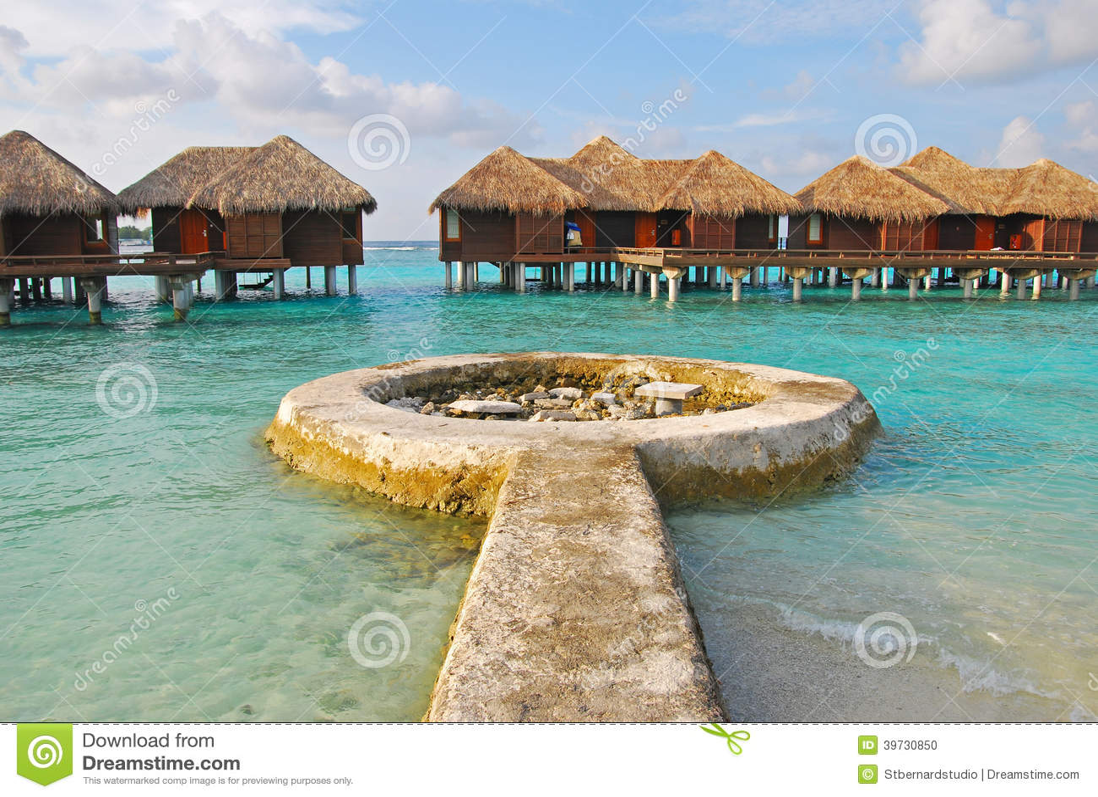 Длинные ожиданные каникулы острова на бунгале Overwater