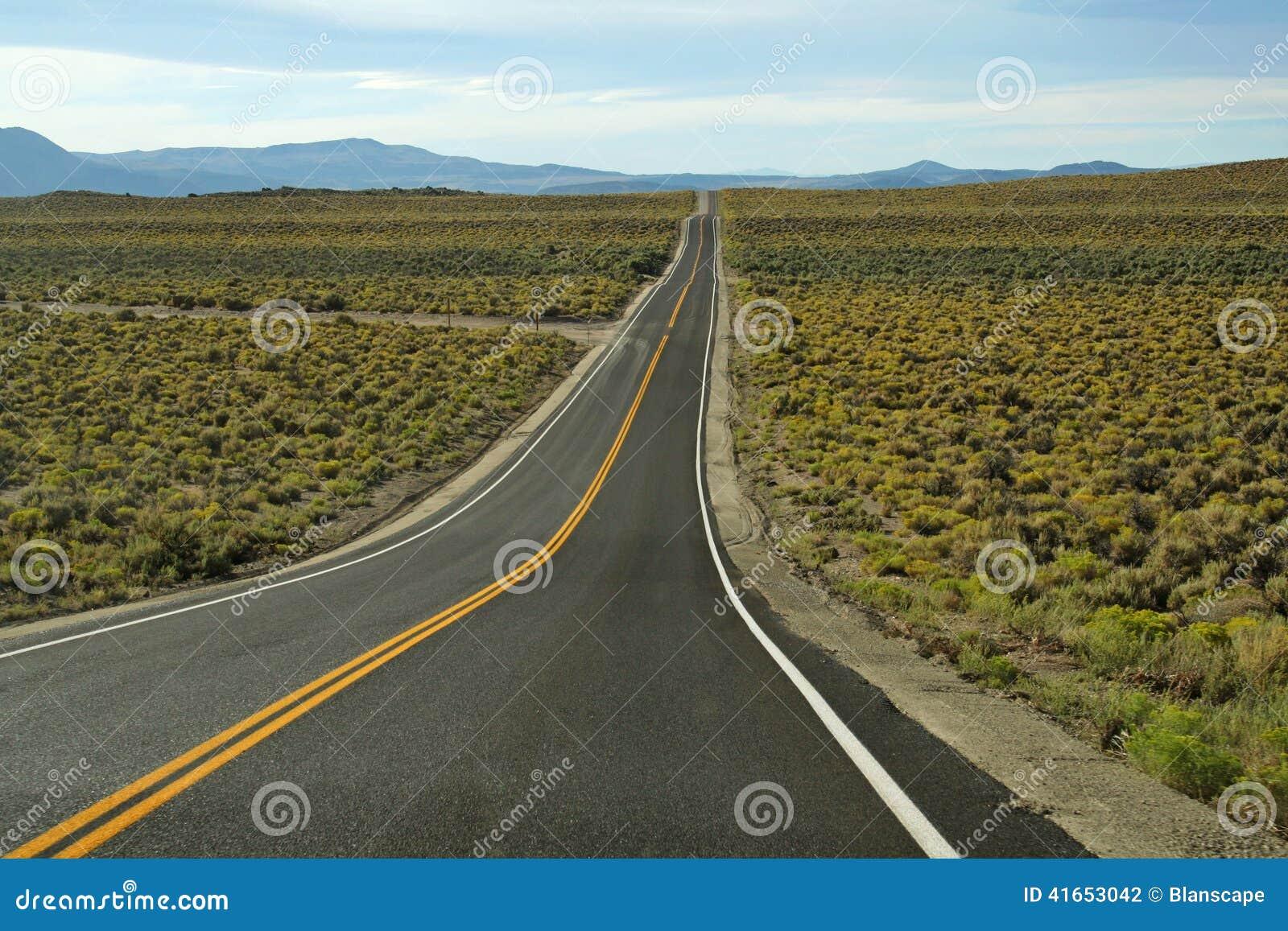 Длинный путь, который нужно достигнуть к гранд-каньону