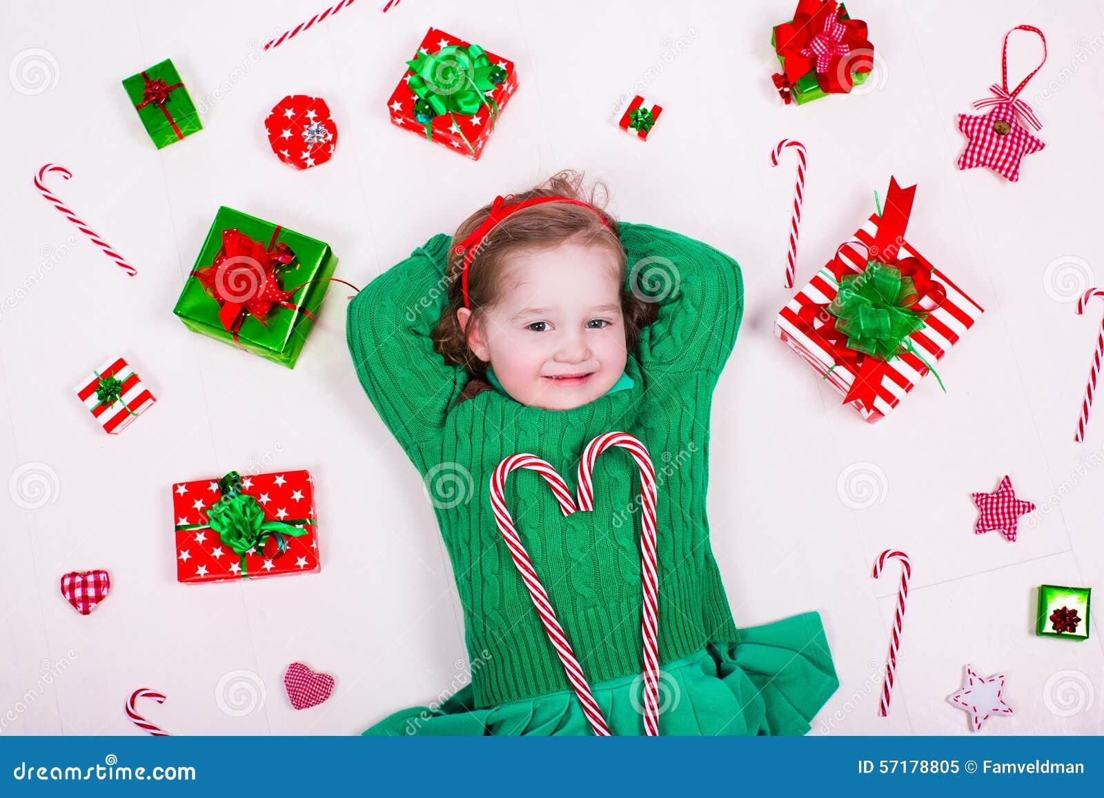 девушка рождества меньшие настоящие моменты отверстия