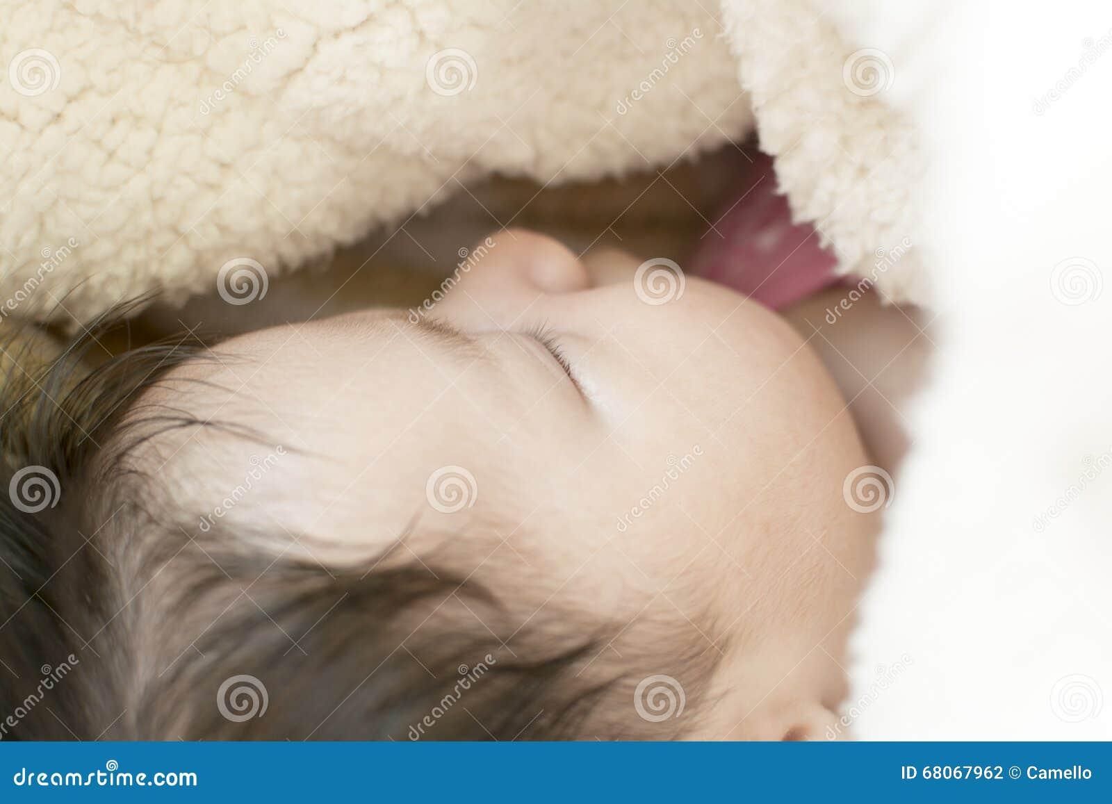 девушка newborn