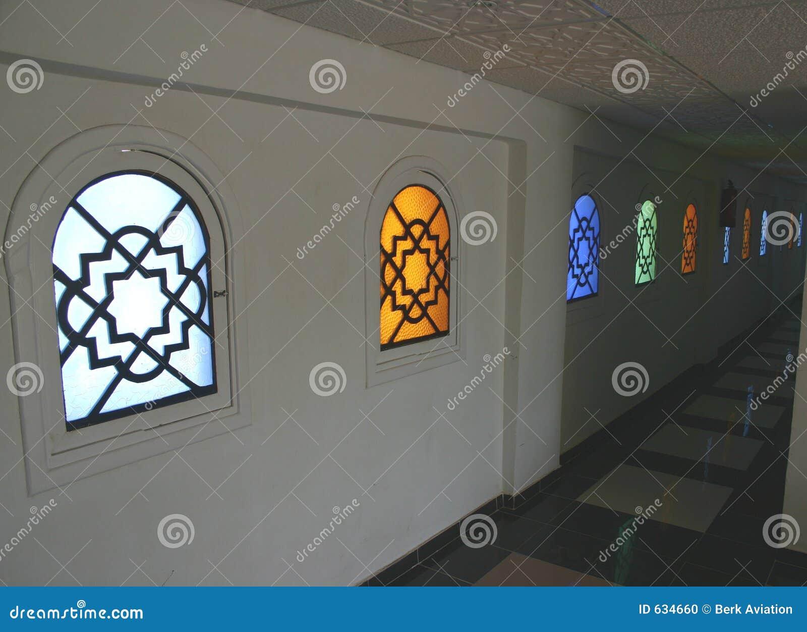 Download египетские окна стоковое фото. изображение насчитывающей холодно - 634660