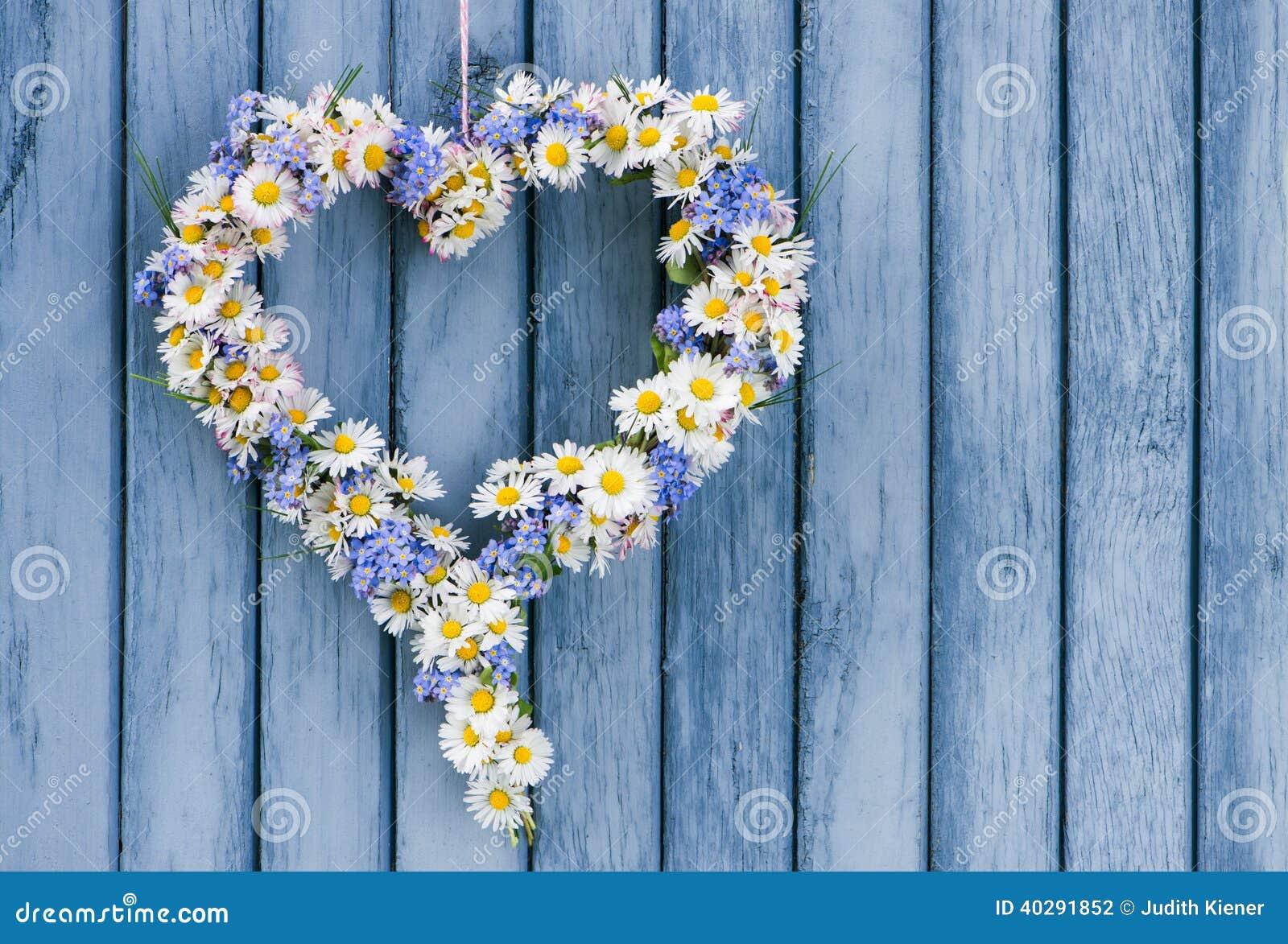 легко редактируйте сердце цветка к