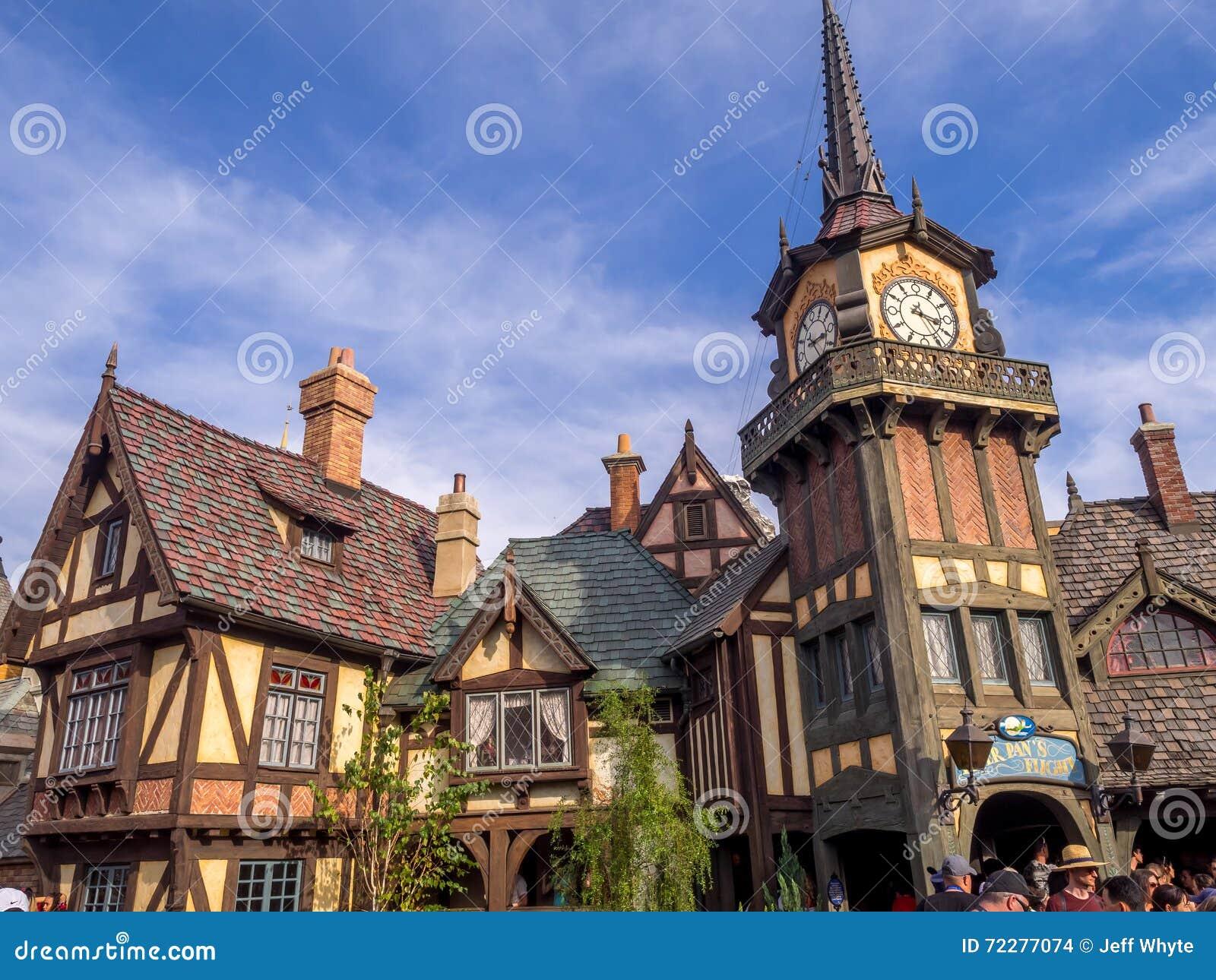 Download Езда Питер Пэн на Fantasyland в парке Диснейленда Редакционное Стоковое Изображение - изображение насчитывающей малыши, пешеход: 72277074