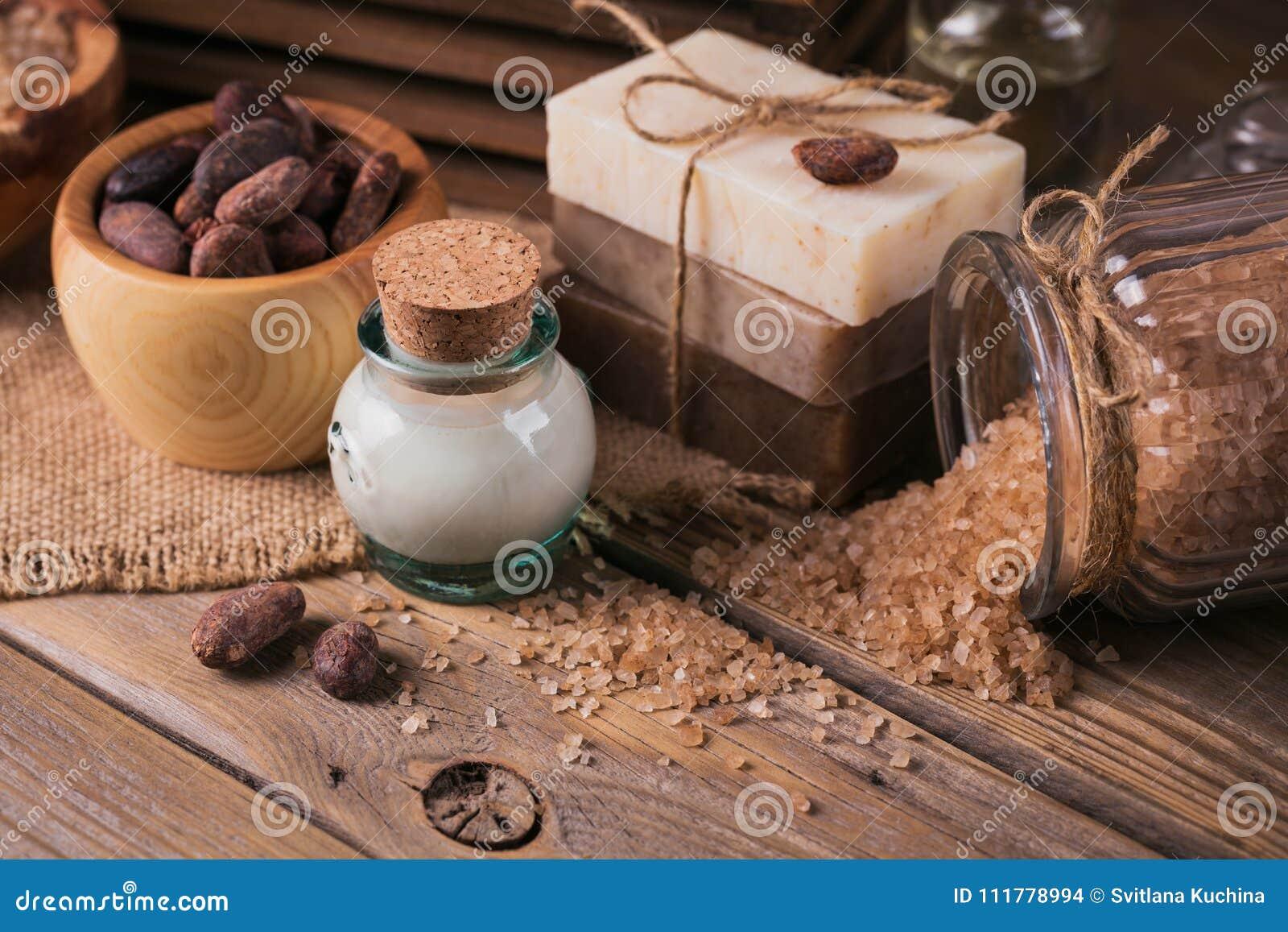 Естественное косметическое масло, соль моря и естественное handmade мыло с co