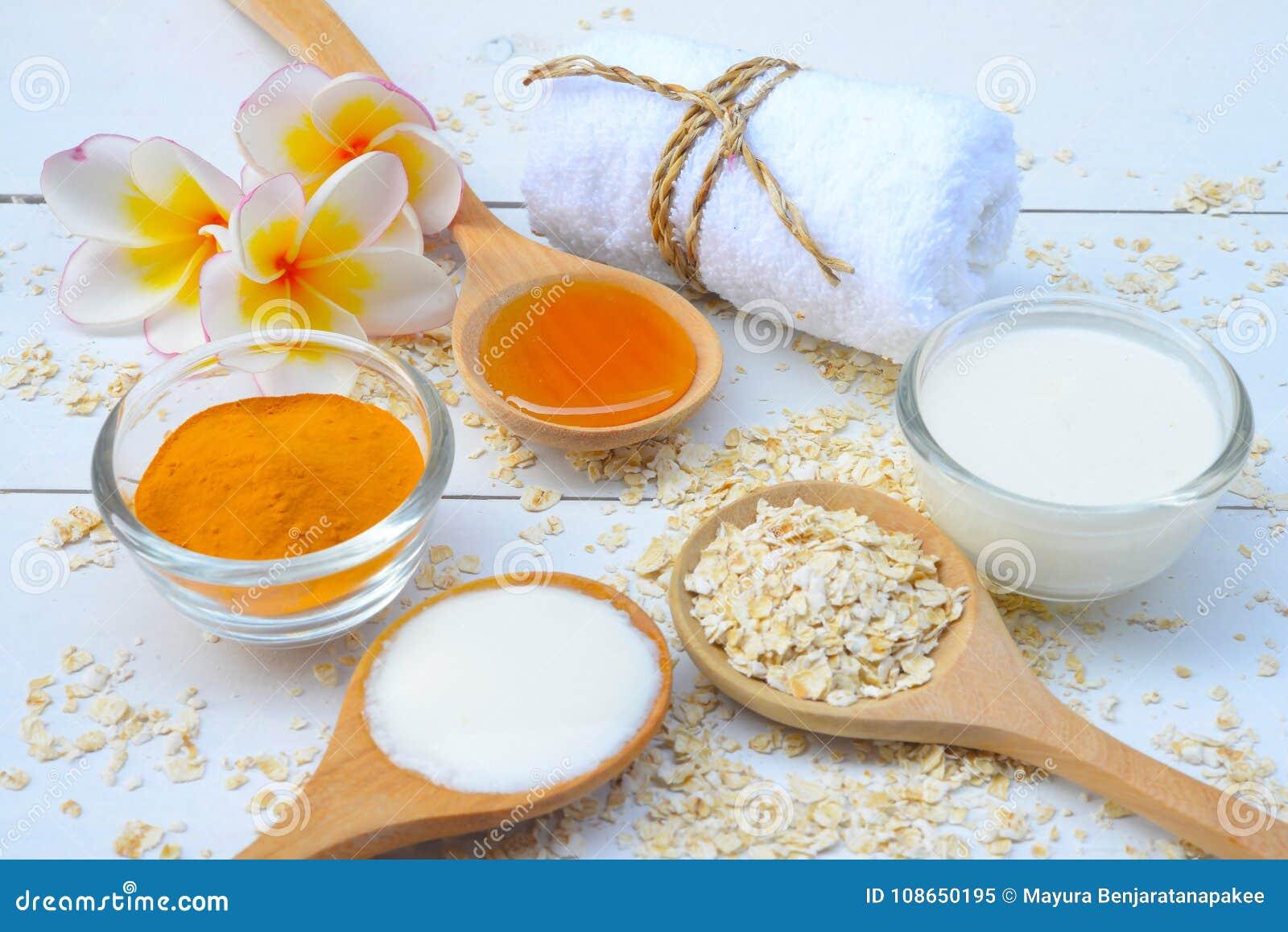 Естественные ингридиенты для домодельной стороны тела Scrub мед и югурт овса перл макроса имитировать поля детали глубины контейн